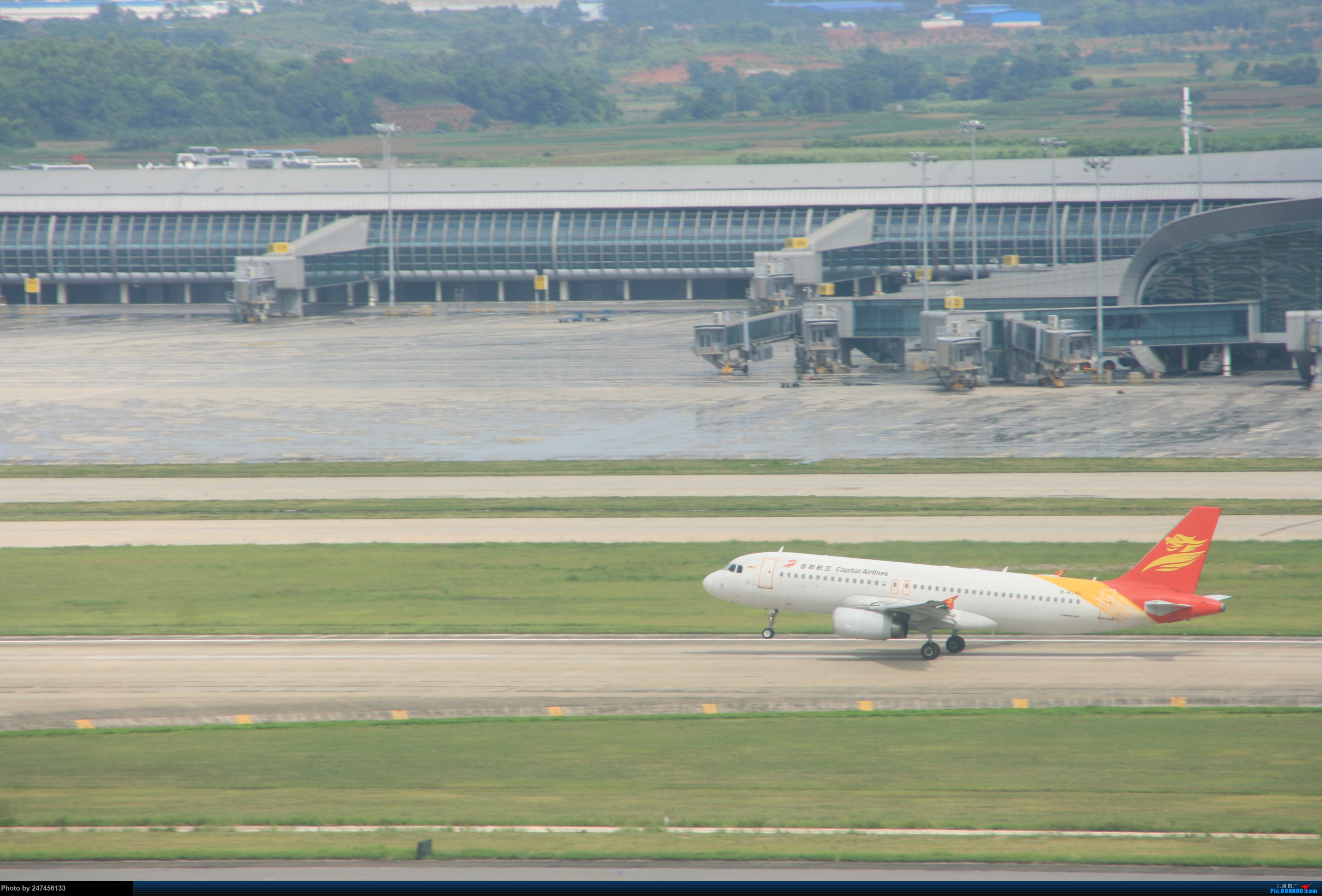 首航A322 AIRBUS A320-200 B-6746 中国南宁吴圩国际机场