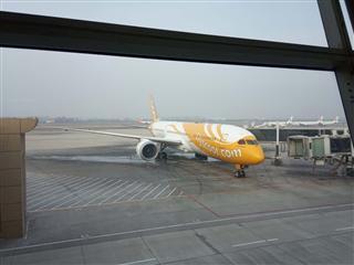 在等韓國航班時拍機,酷航787