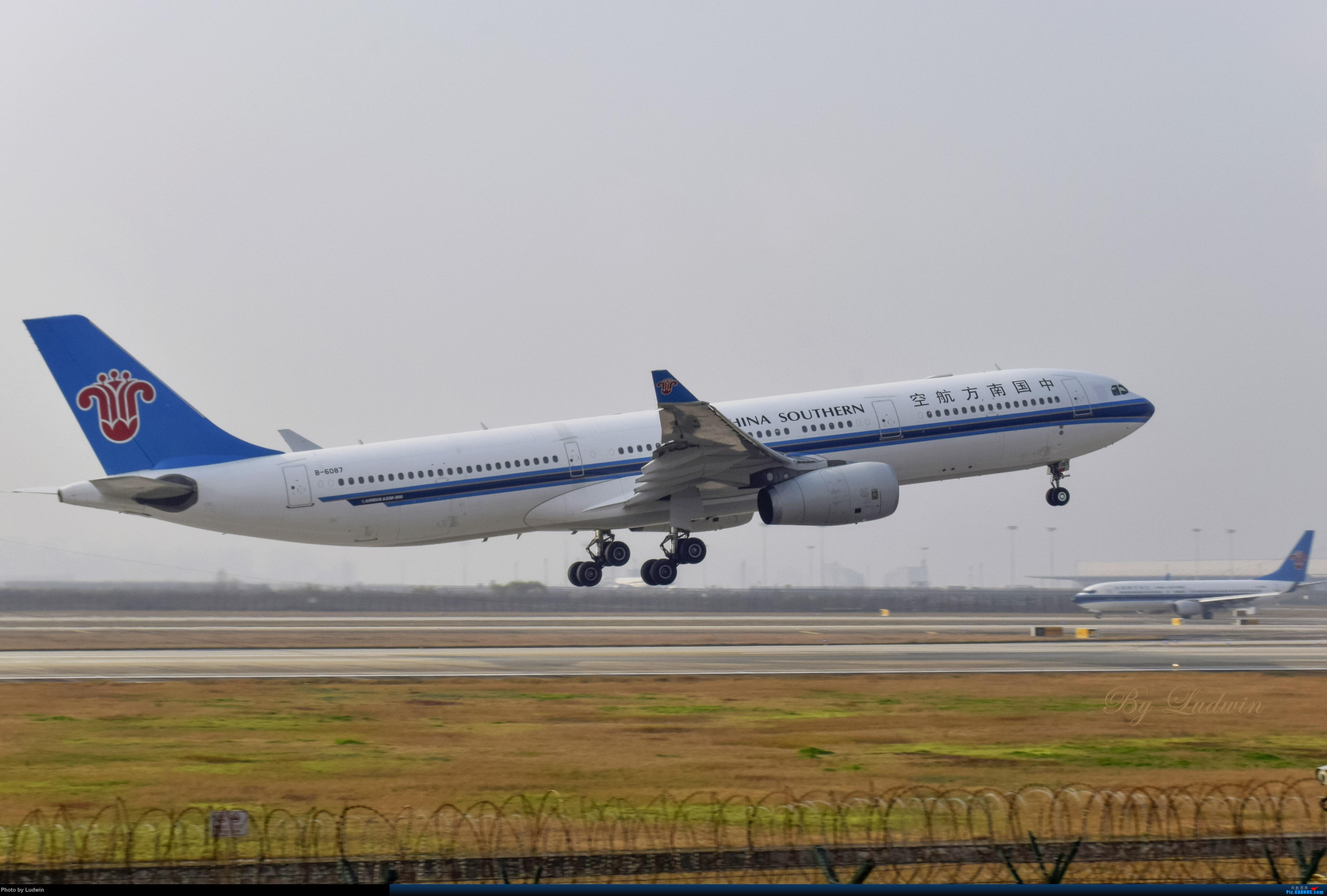 Re:[原创][炒冷饭]年前在ZUCK/CKG的存货 AIRBUS A330-300 B-6087 中国重庆江北国际机场