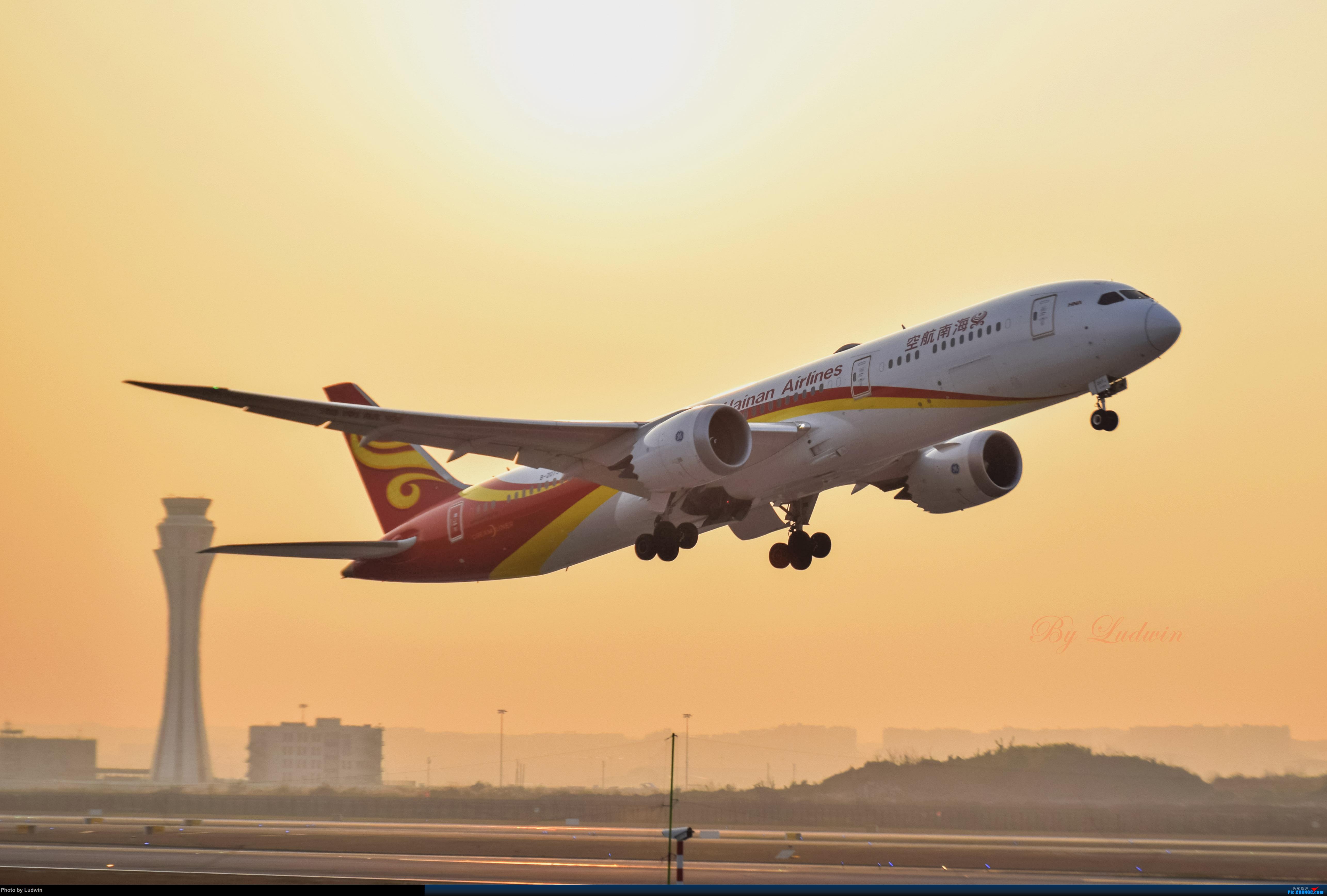 Re:[原创][炒冷饭]年前在ZUCK/CKG的存货 BOEING 787-9 B-207J 中国重庆江北国际机场