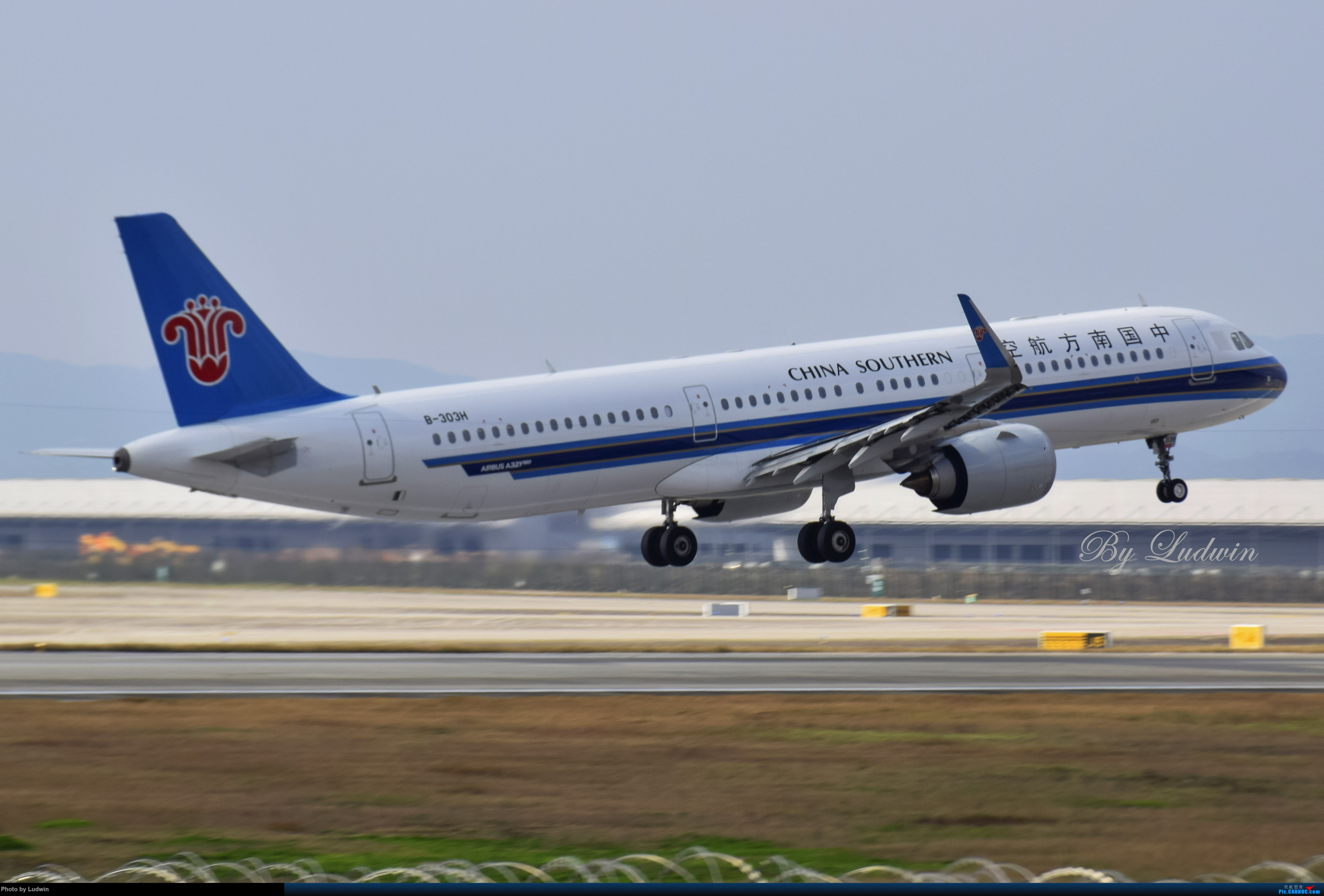 Re:[原创][炒冷饭]年前在ZUCK/CKG的存货 AIRBUS A321NEO B-303H 中国重庆江北国际机场