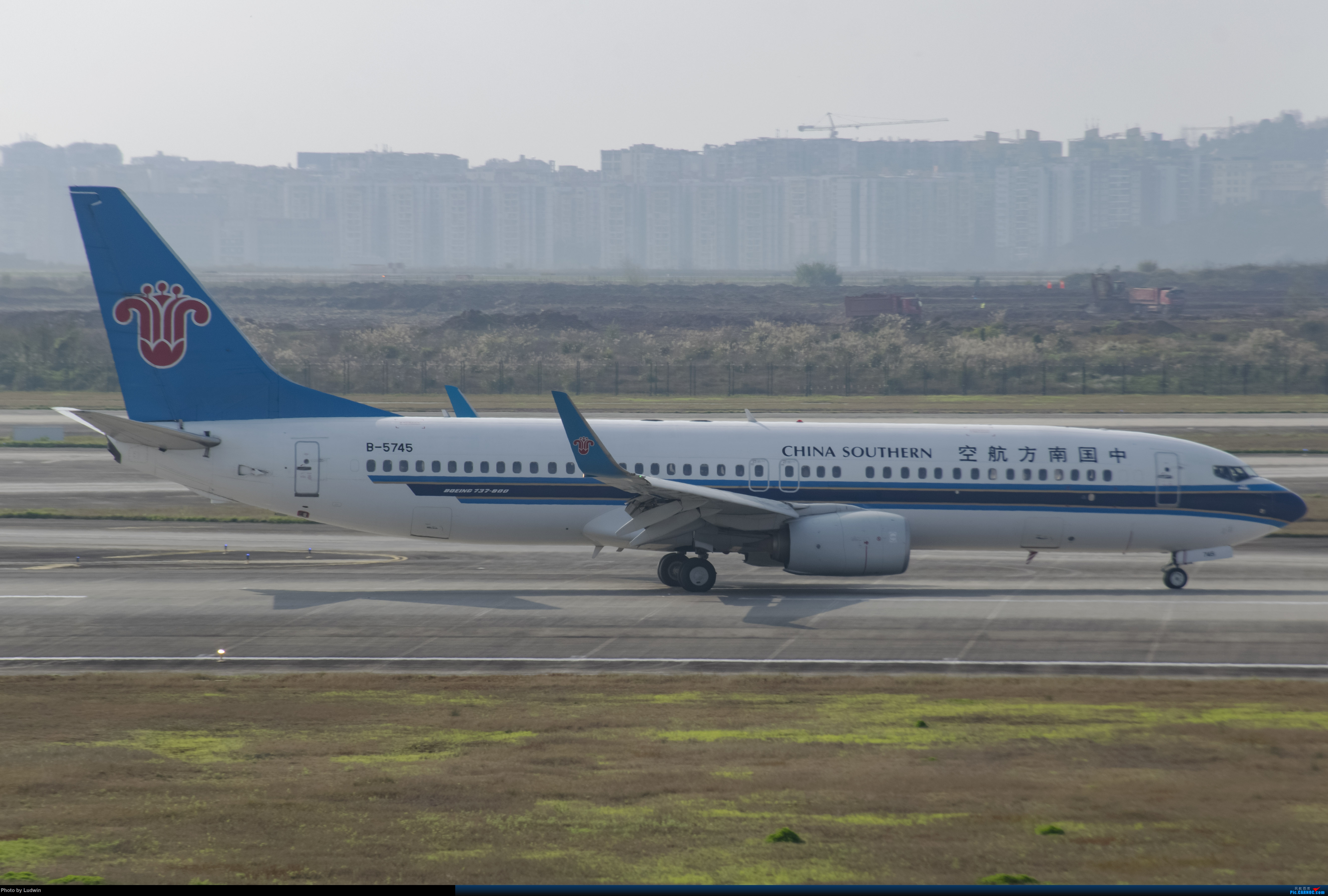 Re:[原创]疫情影响下的ZUCK BOEING 737-800 B-5745 中国重庆江北国际机场