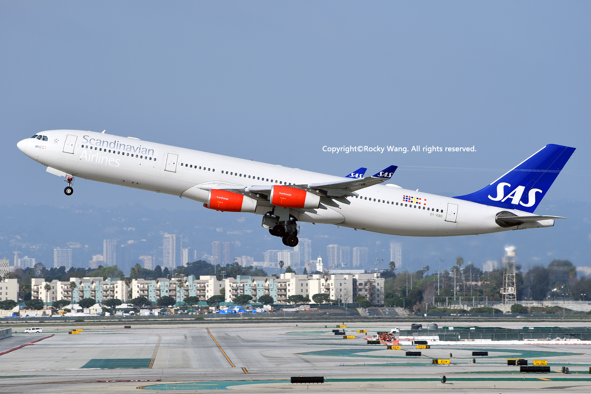 Re:[原创]随便来一组 不凑30图了 AIRBUS A340-313X OY-KBD Los Angeles Int'l Airport