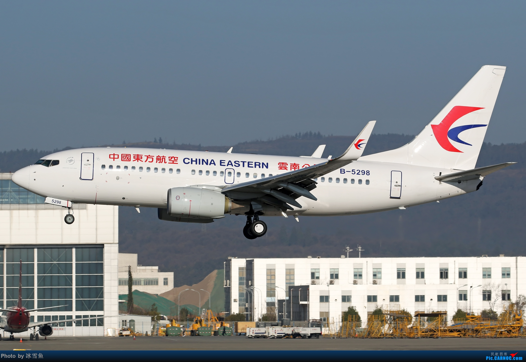 Re:[原创]【KMG】疫情期间 长水走一走 多图 BOEING 737-700 B-5298 中国昆明长水国际机场