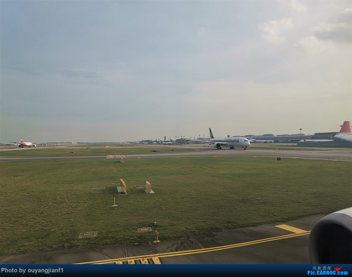 Re:[原创]终于有时间歇下来,可以好好总结一下2019年的飞机游记了,第三段,在新加坡参观星耀樟宜,在非洲穿行毛里求斯,在欧洲俯瞰大巴黎,第一次体验毛航359之旅1 AIRBUS A330-200 3B-NBL 新加坡樟宜机场 新加坡樟宜机场