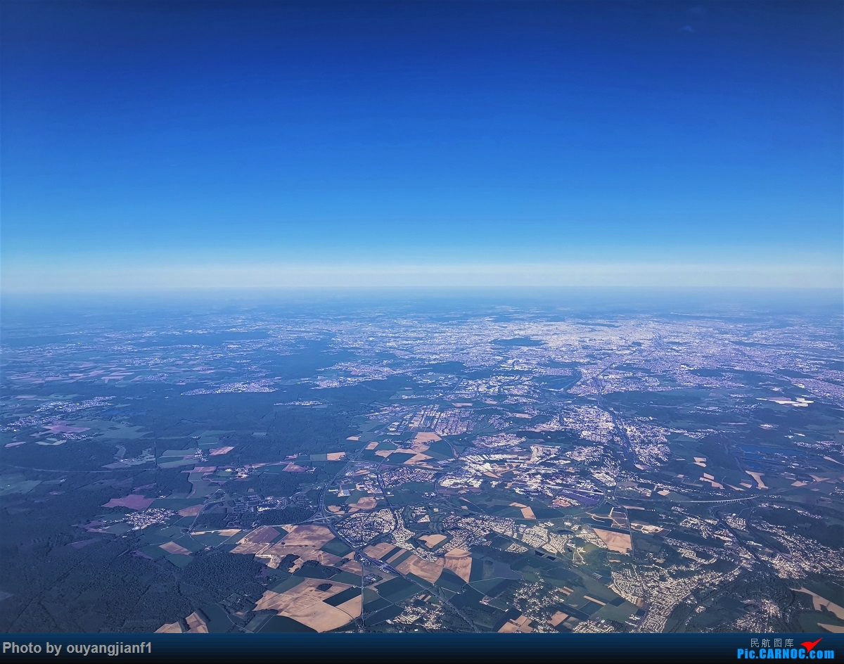 Re:[原创]终于有时间歇下来,可以好好总结一下2019年的飞机游记了,第三段,在新加坡参观星耀樟宜,在非洲穿行毛里求斯,在欧洲俯瞰大巴黎,第一次体验毛航359之旅1