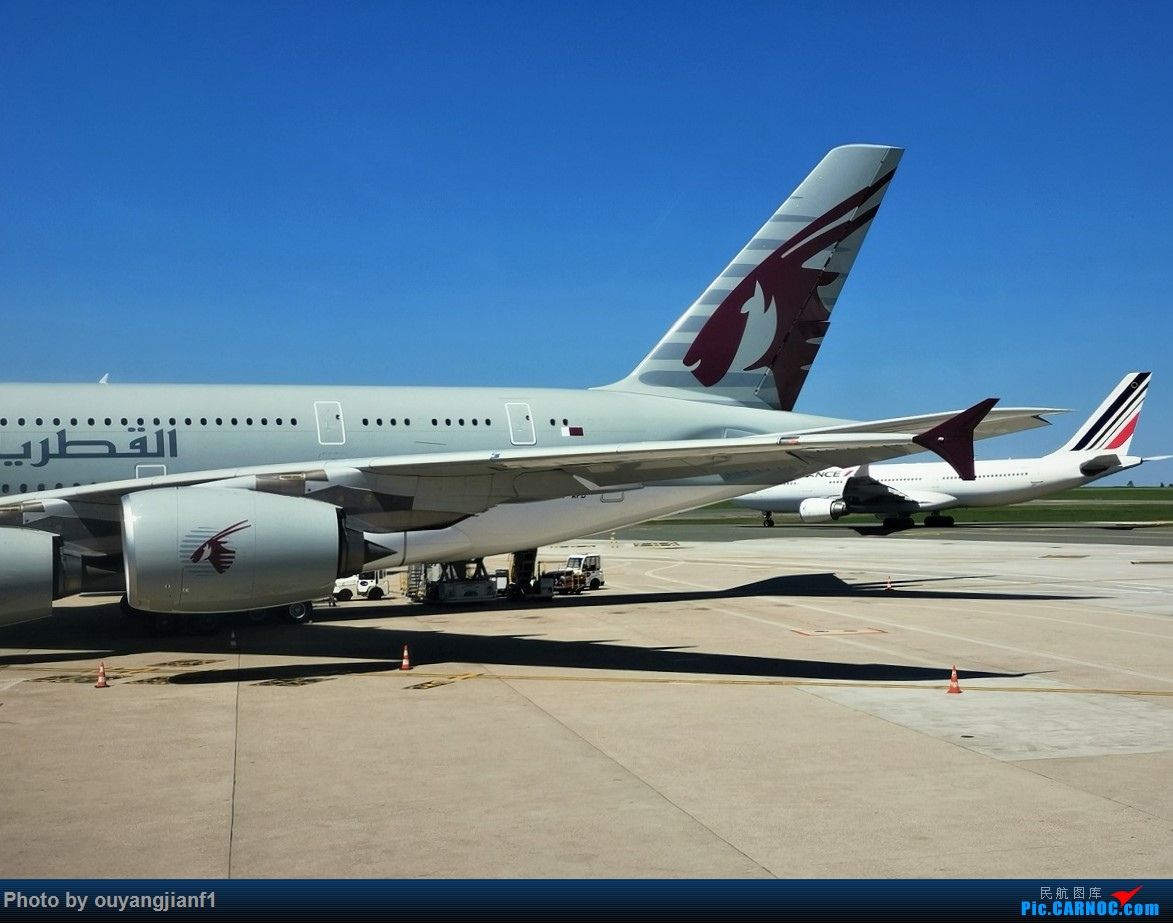 Re:[原创]终于有时间歇下来,可以好好总结一下2019年的飞机游记了,第三段,在新加坡参观星耀樟宜,在非洲穿行毛里求斯,在欧洲俯瞰大巴黎,第一次体验毛航359之旅1 AIRBUS A380-800 A7-APB 法国戴高乐机场