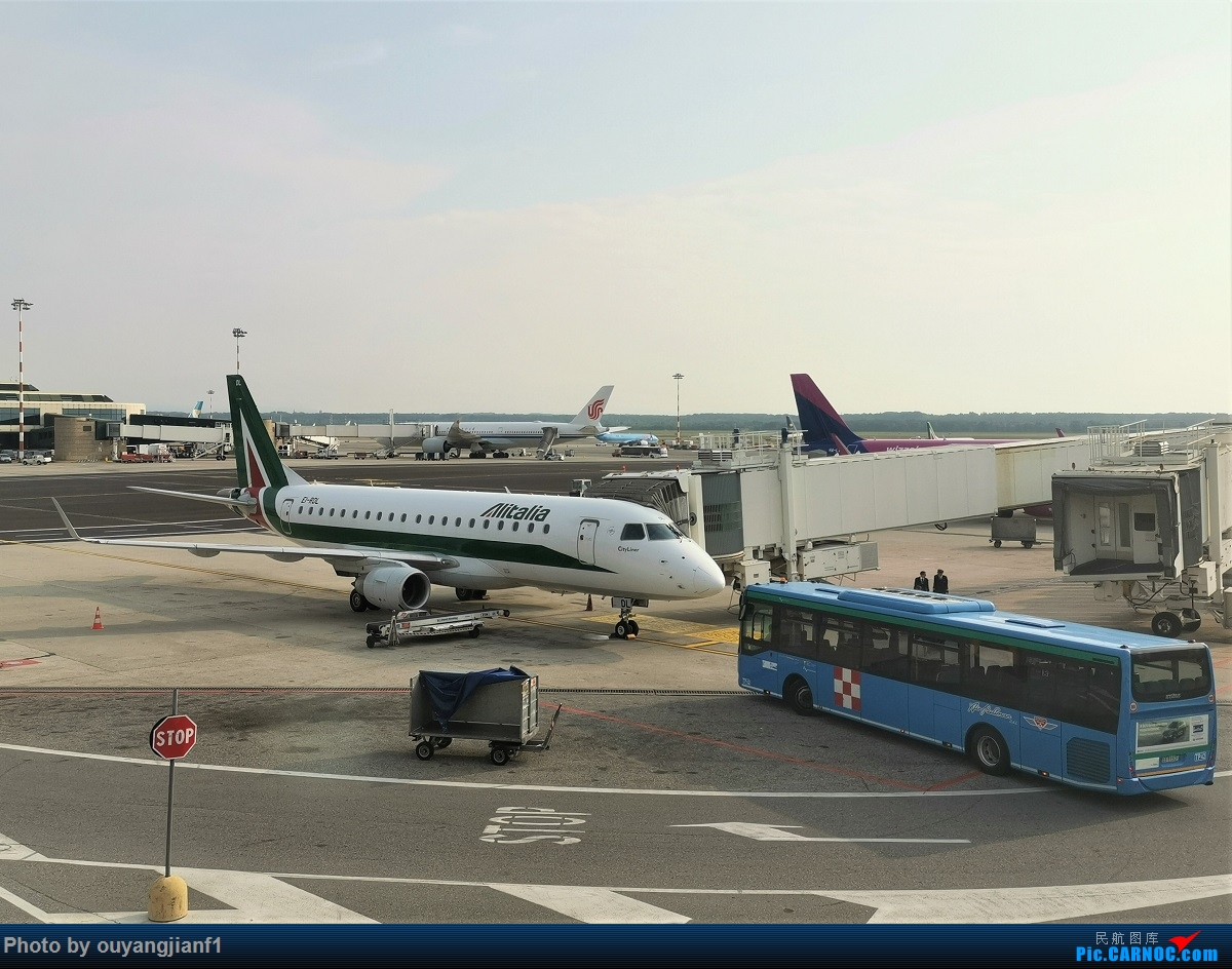 Re:[原创]终于有时间歇下来,可以总结一下2019年飞机游记了,第四段,十七天八国十一飞,跨越欧洲、非洲大陆,偶遇塞尔维亚篮球队,探秘古埃及!解锁塞尔维亚航、爱琴海、埃及航 EMBRAER E-170 EI-RDL 意大利米兰马尔本萨机场