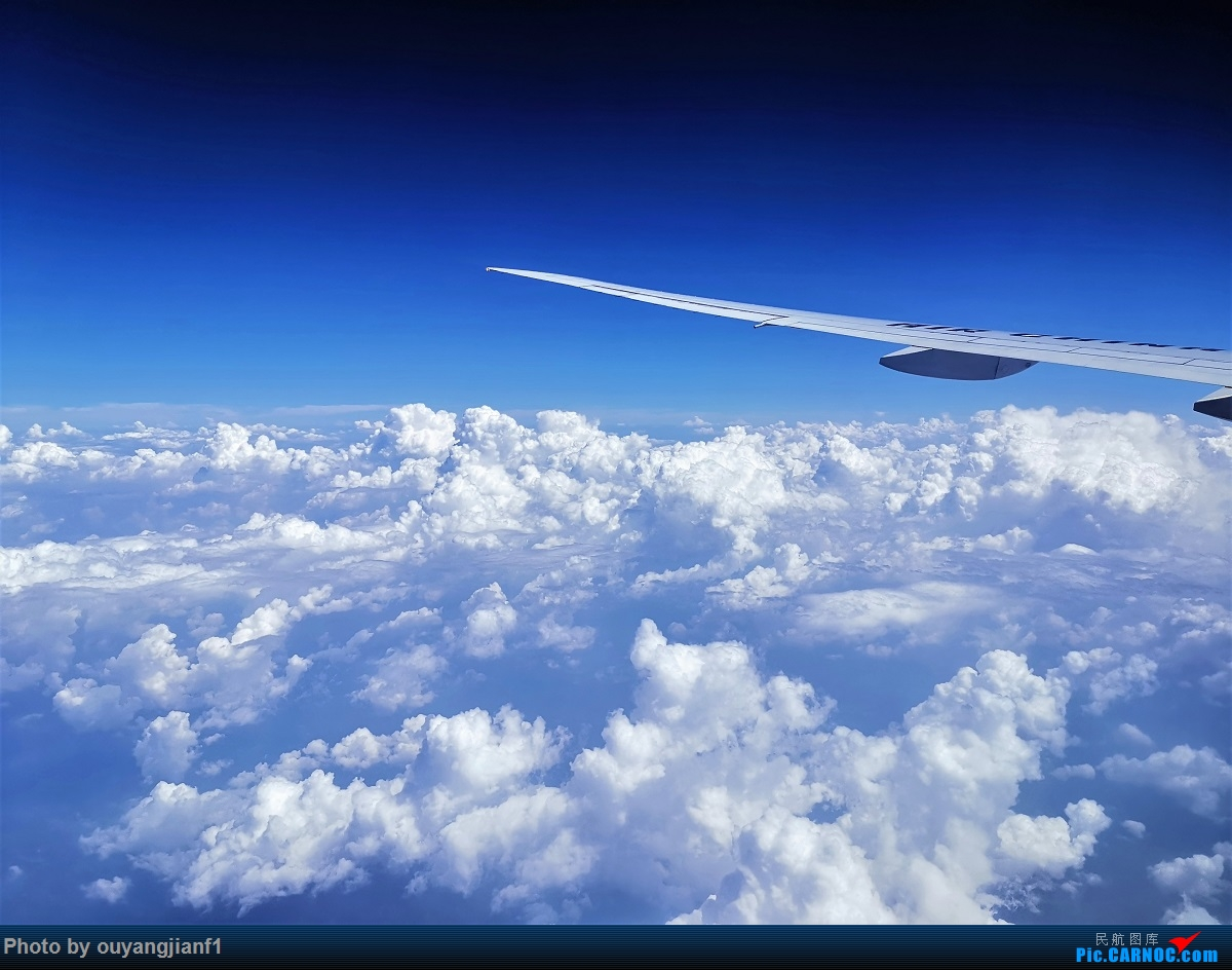 Re:终于有时间歇下来,可以总结一下2019年飞机游记了,第五段,最疯狂的飞行,十二天内十二飞,五万公里穿越亚、欧、美,去往地球另一端拉美世界的第二次环球飞行! BOEING 777-300ER B-2087 空中