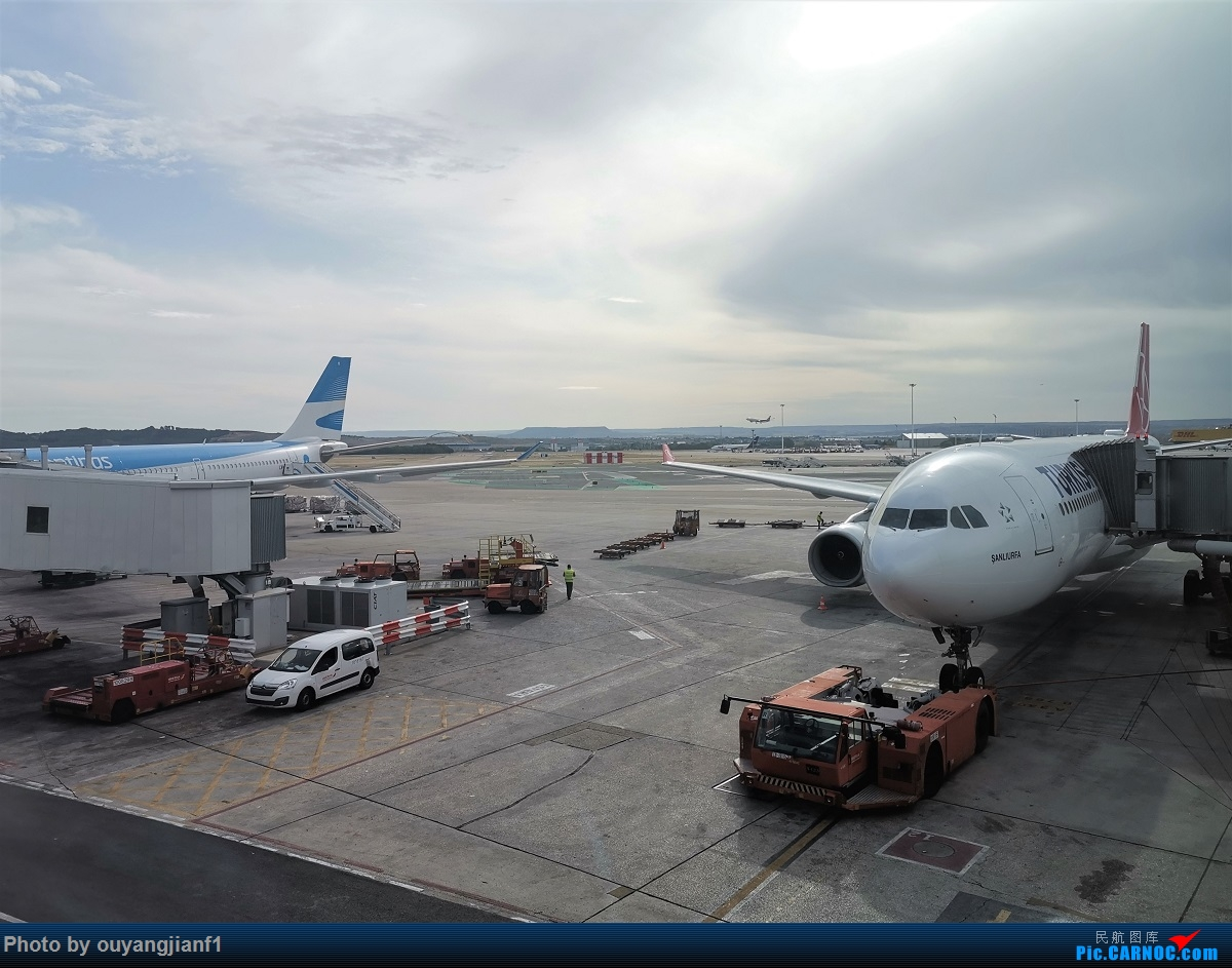 Re:[原创]终于有时间歇下来,可以总结一下2019年飞机游记了,第五段,最疯狂的飞行,十二天内十二飞,五万公里穿越亚、欧、美,去往地球另一端拉美世界的第二次环球飞行! AIRBUS A330-200 LV-FVI 西班牙马德里机场