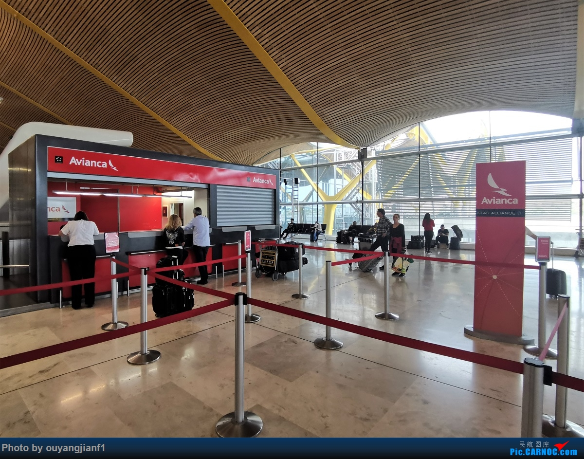 Re:终于有时间歇下来,可以总结一下2019年飞机游记了,第五段,最疯狂的飞行,十二天内十二飞,五万公里穿越亚、欧、美,去往地球另一端拉美世界的第二次环球飞行!    西班牙马德里机场
