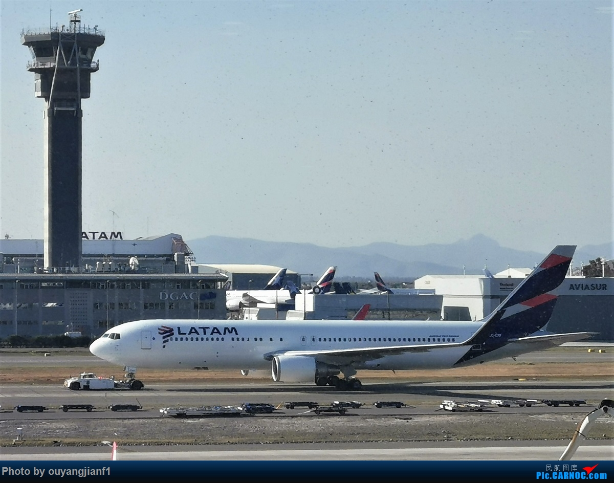 Re:[原创]终于有时间歇下来,可以总结一下2019年飞机游记了,第五段,最疯狂的飞行,十二天内十二飞,五万公里穿越亚、欧、美,去往地球另一端拉美世界的第二次环球飞行! BOEING 767-300ER CC-CXF 智利圣地亚哥机场