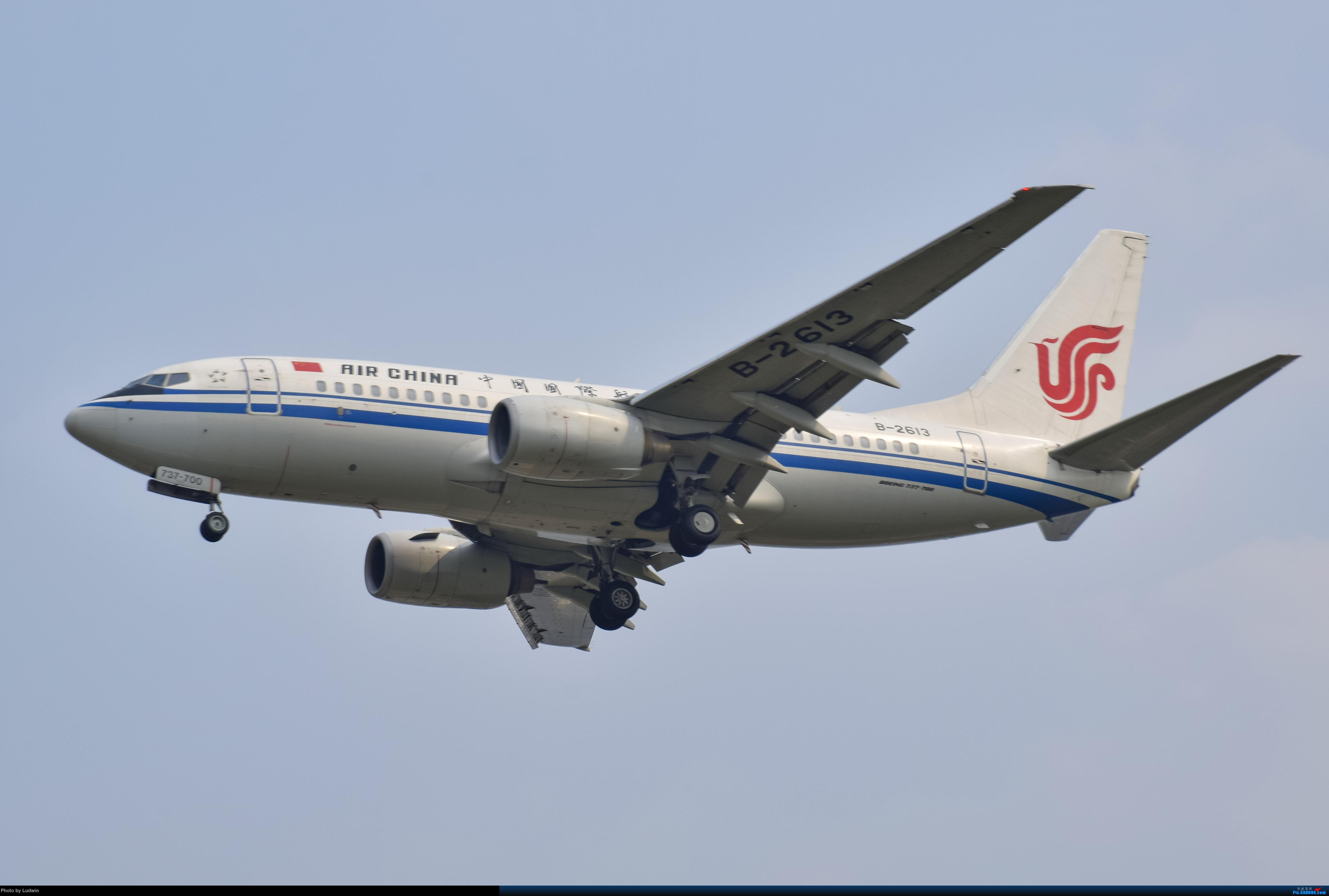 Re:[原创]没有地景系列 BOEING 737-700 B-2613 中国重庆江北国际机场