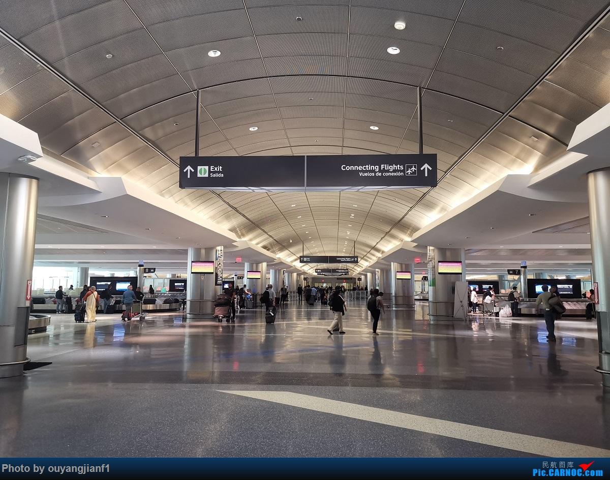 Re:[原创]终于有时间歇下来,可以总结一下2019年飞游记了,第五段,最疯狂的飞行,十二天内十二飞,五万公里穿越亚、欧、美,去往地球另一端拉美世界的第二次环球飞行! BOEING 737-700 N25705 美国休斯敦乔治·布什洲际机场 美国休斯敦乔治·布什洲际机场