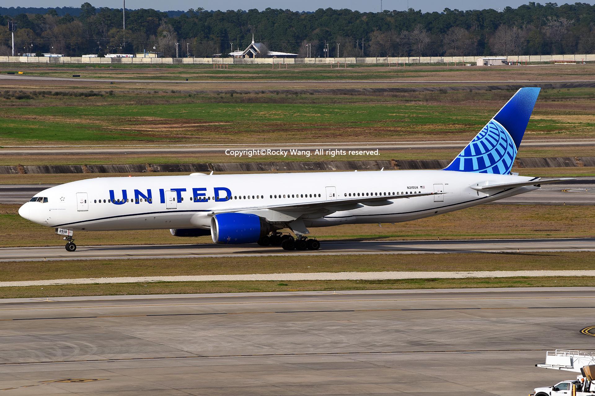 废贴删除吧 BOEING 777-222 N210UA Houston George Bush Intercontinental Air