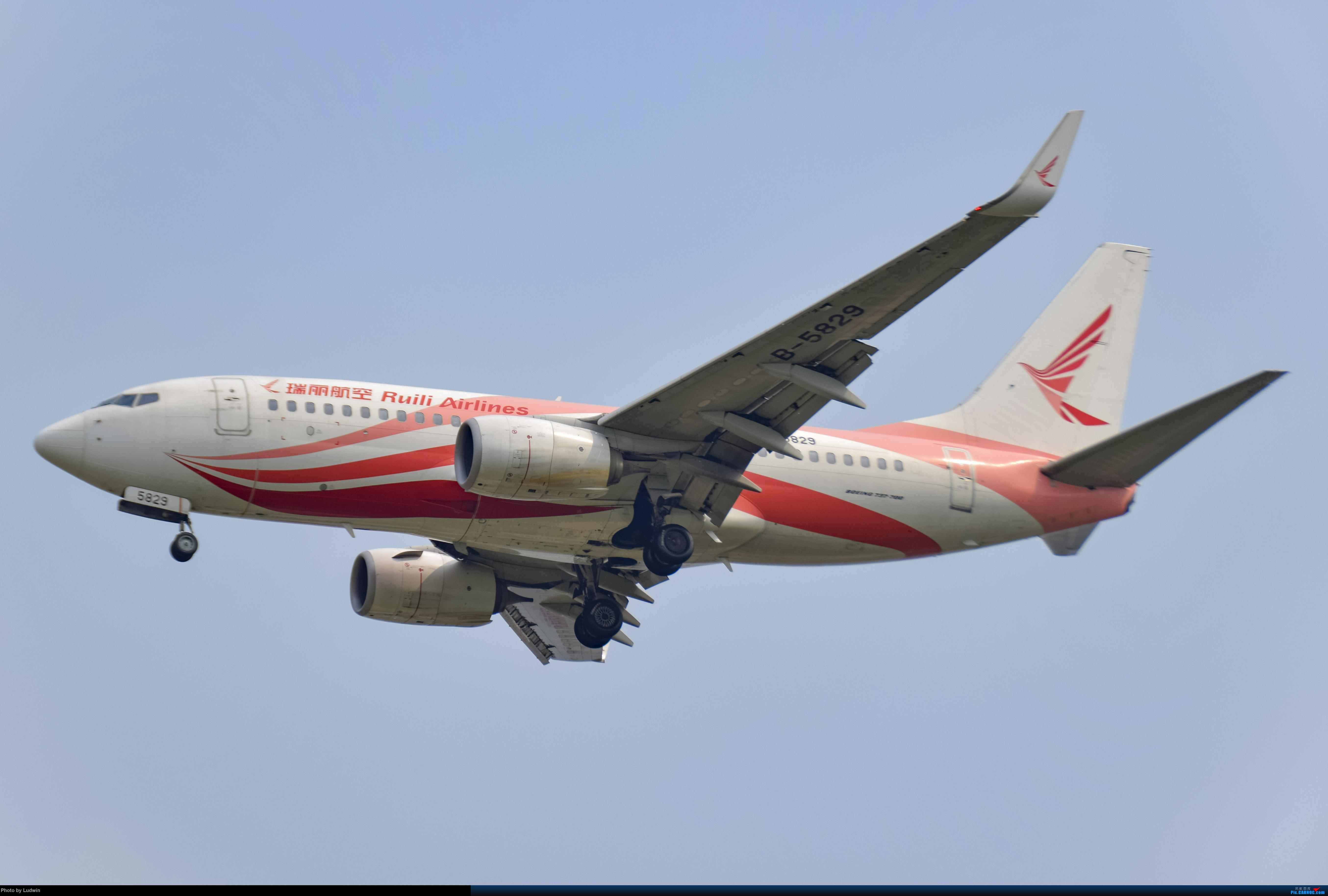 Re:[原创]没有地景系列 BOEING 737-700 B-5829 中国重庆江北国际机场
