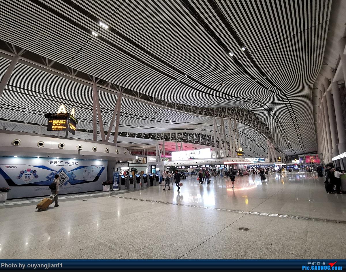 Re:[原创]终于有时间歇下来,可以好好总结一下2019年飞行游记了,第五段:一周之内的中东非洲之行,体验真土豪科威特航空,奇葩航沙特航空,动荡之下造访埃塞俄比亚航空总部!    中国长沙黄花国际机场