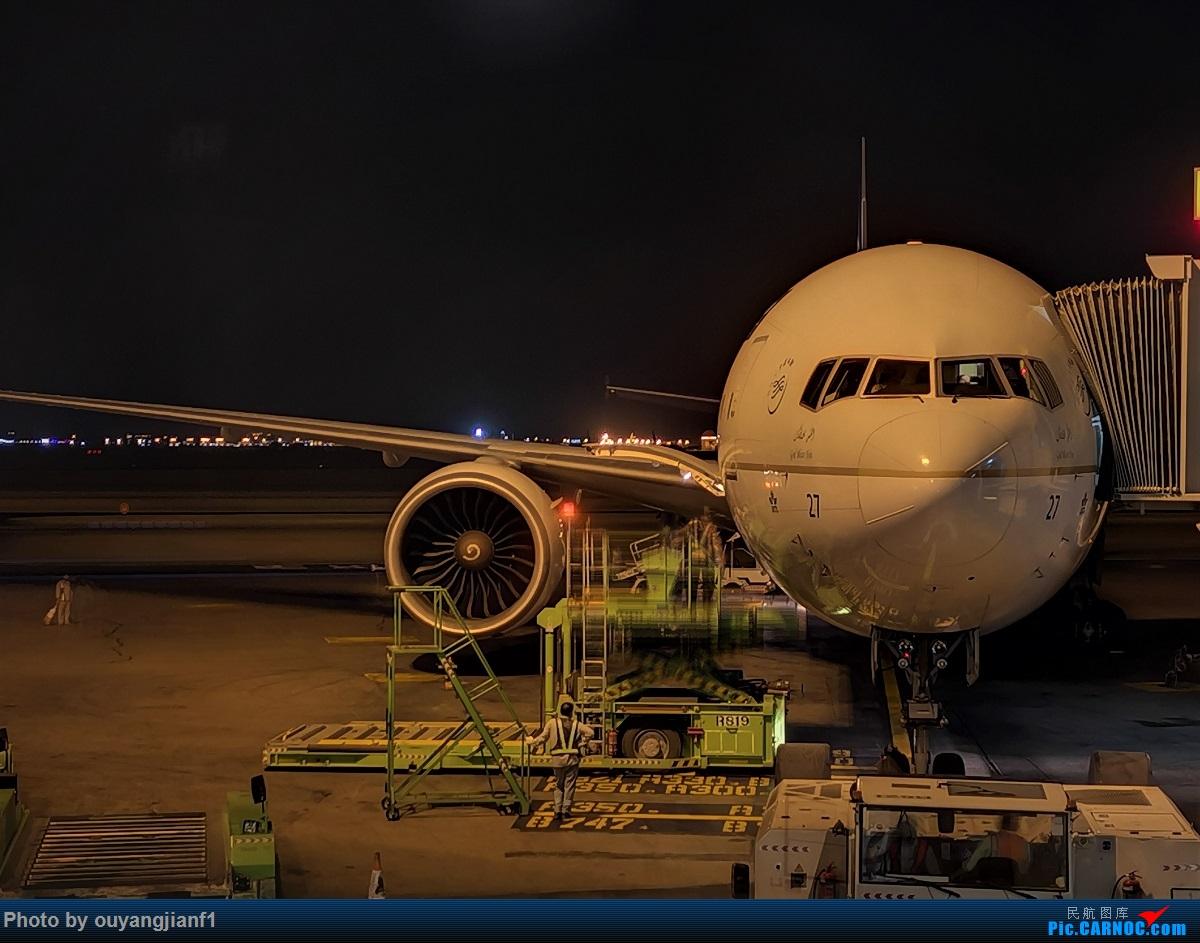 Re:[原创]终于有时间歇下来,可以好好总结一下2019年飞行游记了,第五段:一周之内的中东非洲之行,体验真土豪科威特航空,奇葩航沙特航空,动荡之下造访埃塞俄比亚航空总部! BOEING 777-300ER HZ-AK27 沙特阿拉伯哈立德国王机场