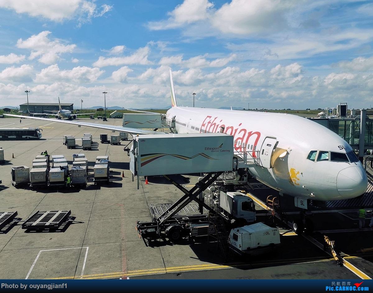 Re:[原创]终于有时间歇下来,可以好好总结一下2019年飞行游记了,第五段:一周之内的中东非洲之行,体验真土豪科威特航空,奇葩航沙特航空,动荡之下造访埃塞俄比亚航空总部! BOEING 777-300ER ET-ASL 埃塞俄比亚亚的斯亚贝巴博莱机场