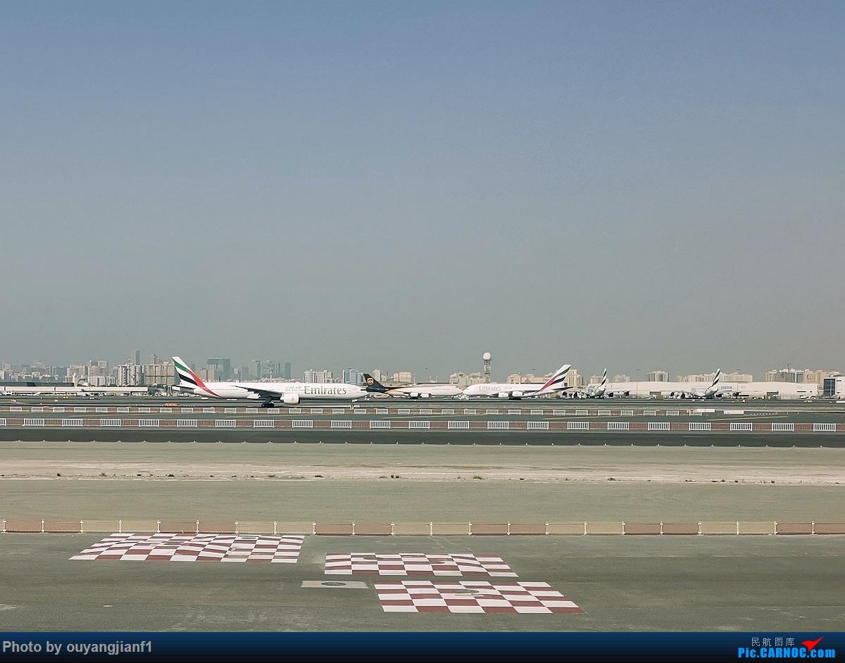 Re:[原创]终于有时间歇下来,可以好好总结一下2019年飞行游记了,第五段:一周之内的中东非洲之行,体验真土豪科威特航空,奇葩航沙特航空,动荡之下造访埃塞俄比亚航空总部!    阿拉伯联合酋长国迪拜国际机场