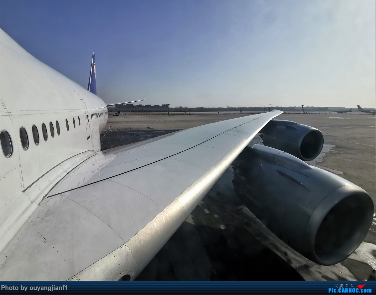 Re:[原创]2020年第一飞,赶在疫情全球蔓延前出去转一圈,看看冰封之下的贝加尔湖,会会老朋友法兰克福,跨过夕阳下的英吉利,感受爱尔兰的擎天柱,在PEK见证疫情之下的停机场 BOEING 747-8I D-ABYL 中国北京首都国际机场