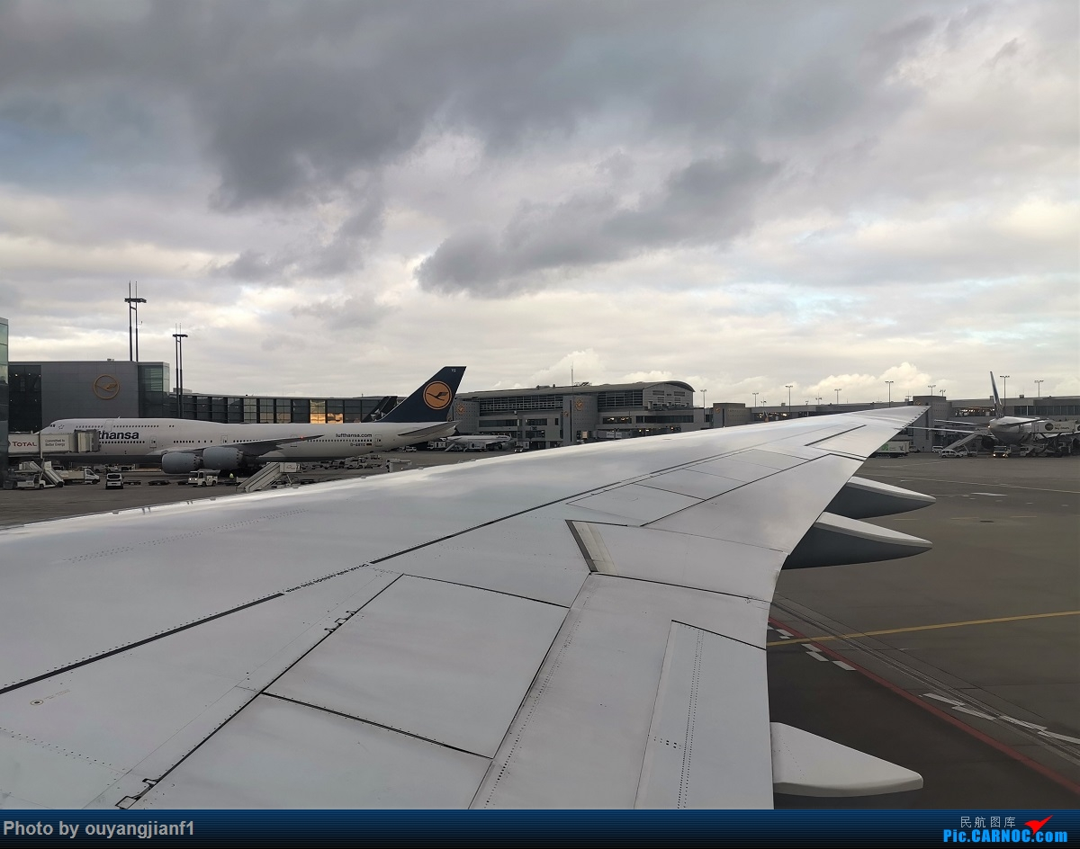 Re:[原创]2020年第一飞,赶在疫情全球蔓延前出去转一圈,看看冰封之下的贝加尔湖,会会老朋友法兰克福,跨过夕阳下的英吉利,感受爱尔兰的擎天柱,在PEK见证疫情之下的停机场 BOEING 747-8I D-ABYG 德国法兰克福机场