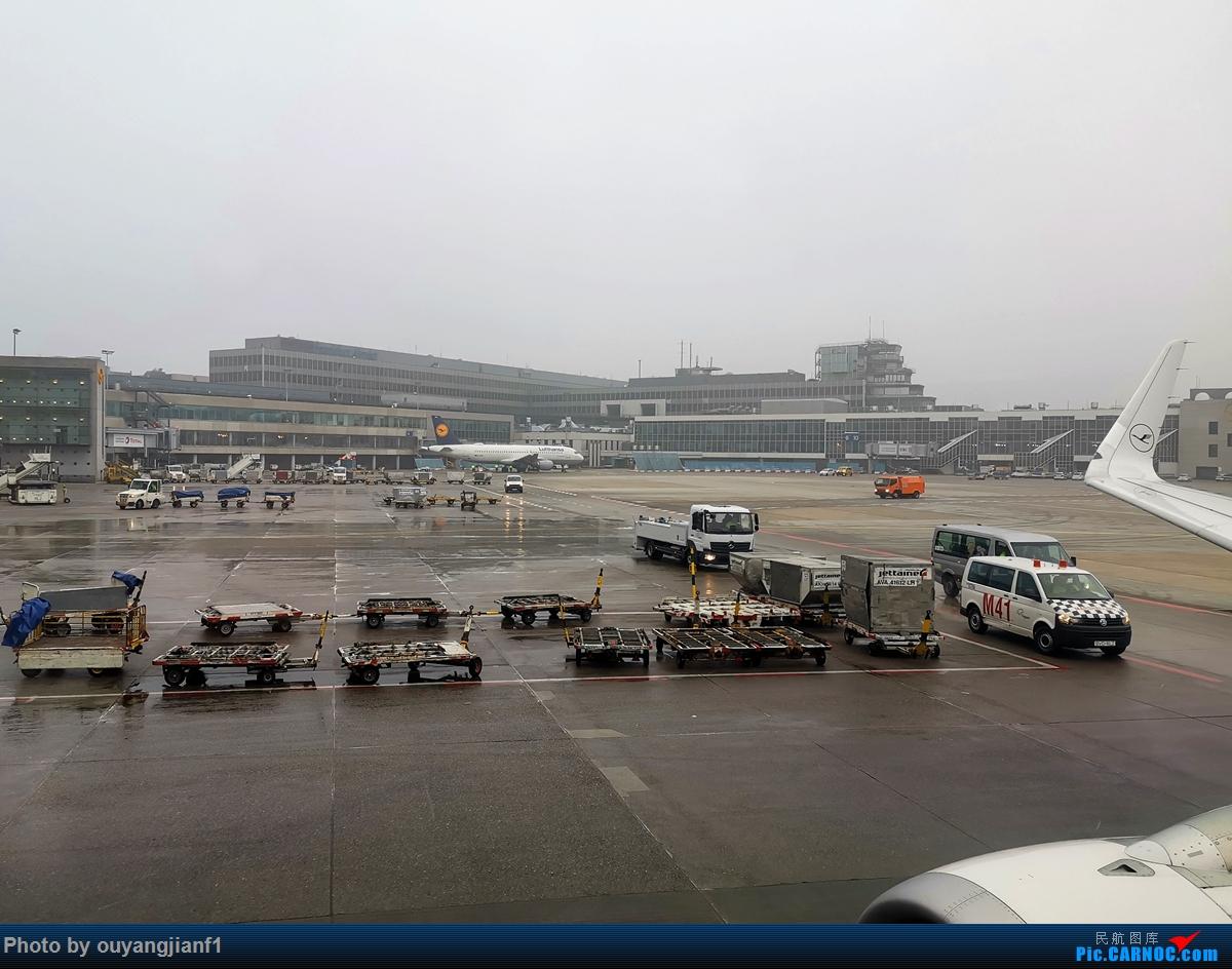 Re:[原创]2020年第一飞,赶在疫情全球蔓延前出去转一圈,看看冰封之下的贝加尔湖,会会老朋友法兰克福,跨过夕阳下的英吉利,感受爱尔兰的擎天柱,在PEK见证疫情之下的停机场    德国法兰克福机场