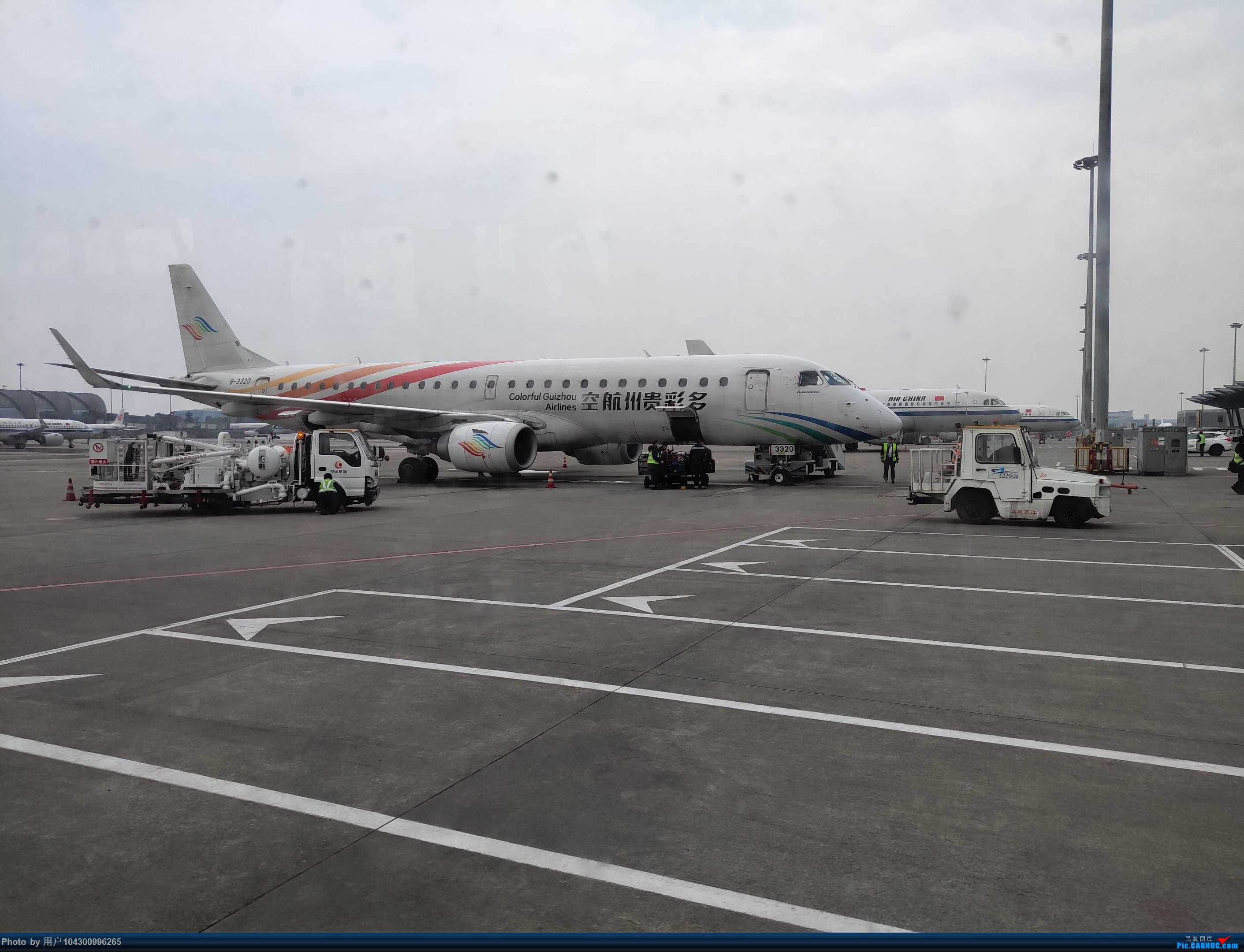 Re:[原创]DM游记之GY贵阳-成都往返(参观空港花田) EMBRAER E-190 B-3320 中国成都双流国际机场