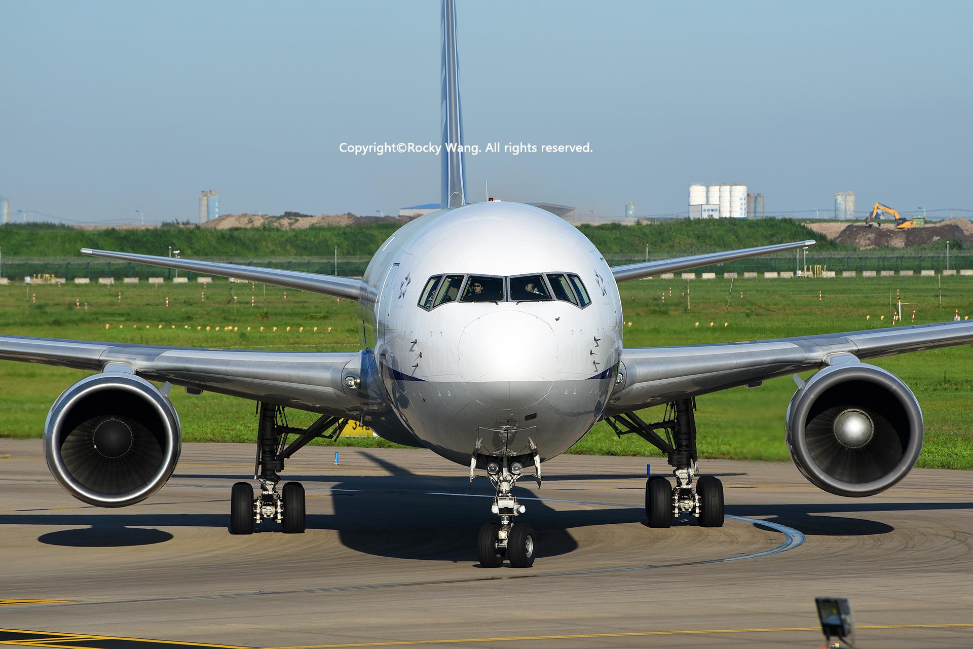 Re:[原创]盗图就别狂 发组表情自己体会 BOEING 767-381(ER) JA611A Shanghai Pudong