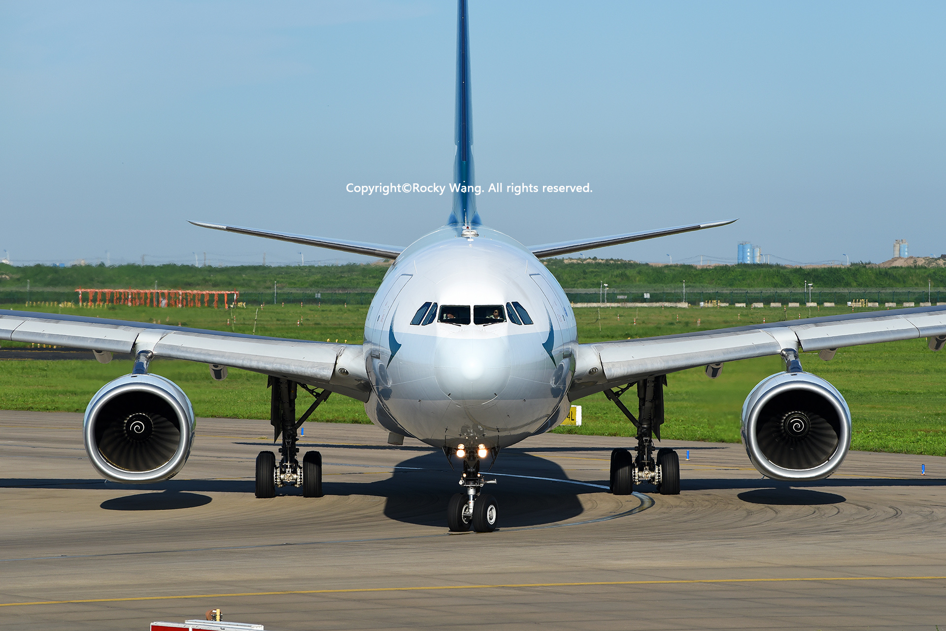 Re:[原创]盗图就别狂 发组表情自己体会 AIRBUS A330-343 B-HLM Shanghai Pudong