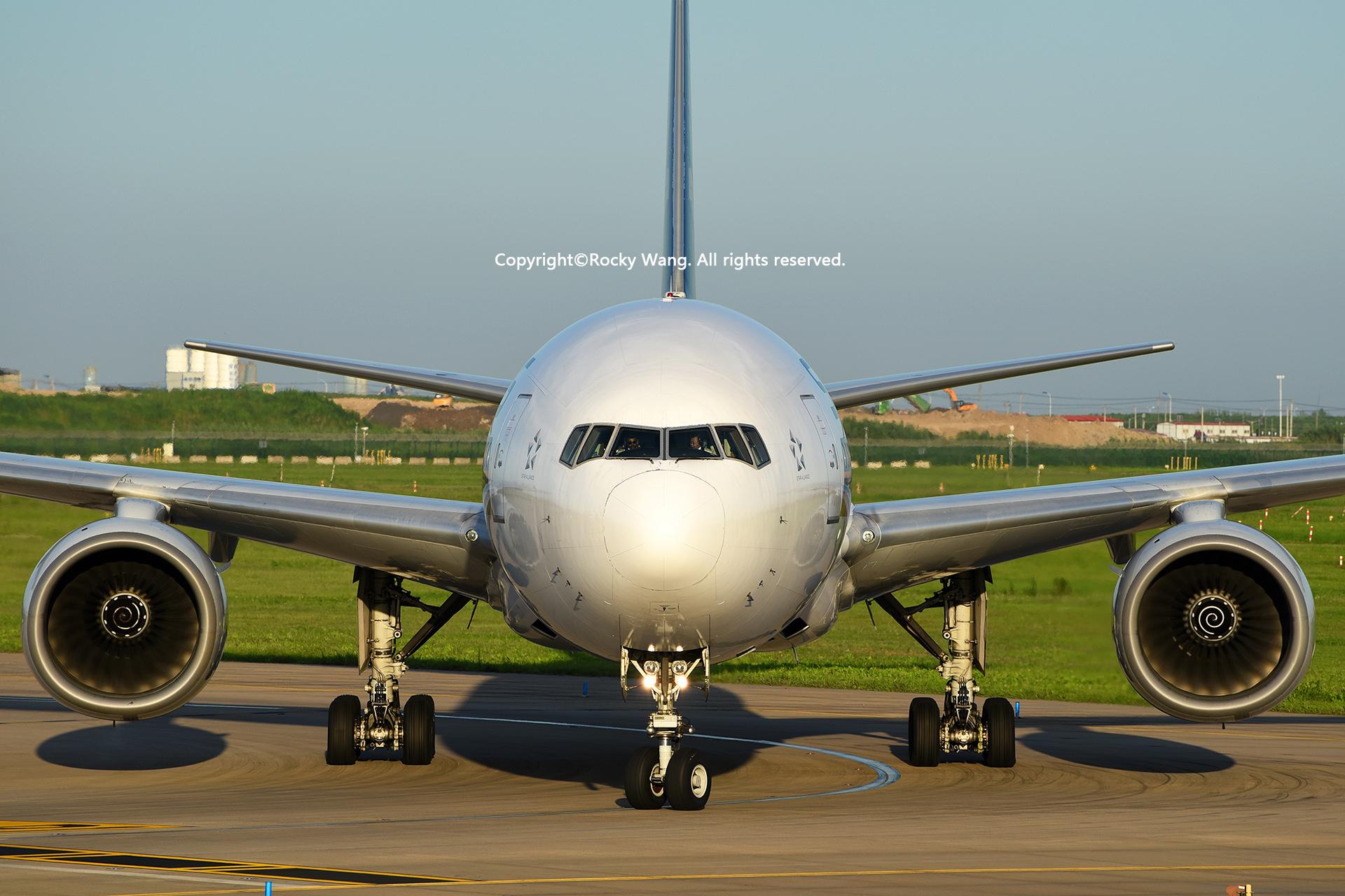 Re:[原创]盗图就别狂 发组表情自己体会 BOEING 777-212(ER) 9V-SRQ Shanghai Pudong