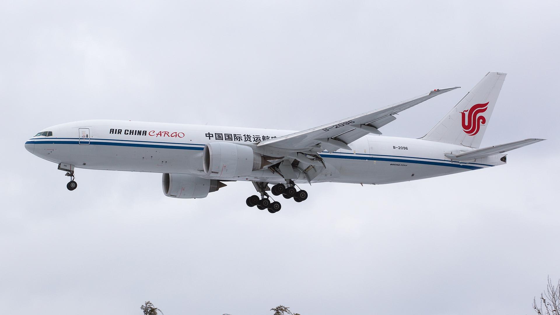 Re:[原创].....【DLC】.... BOEING 777F B-2096 中国大连国际机场