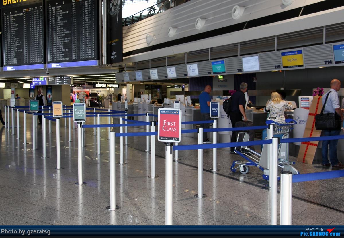 Re:[原创]【拖延症患者的飞行游记】有去有回 - 从法兰克福回新加坡,体验体验新加坡航空B77W优选经济舱    德国法兰克福机场