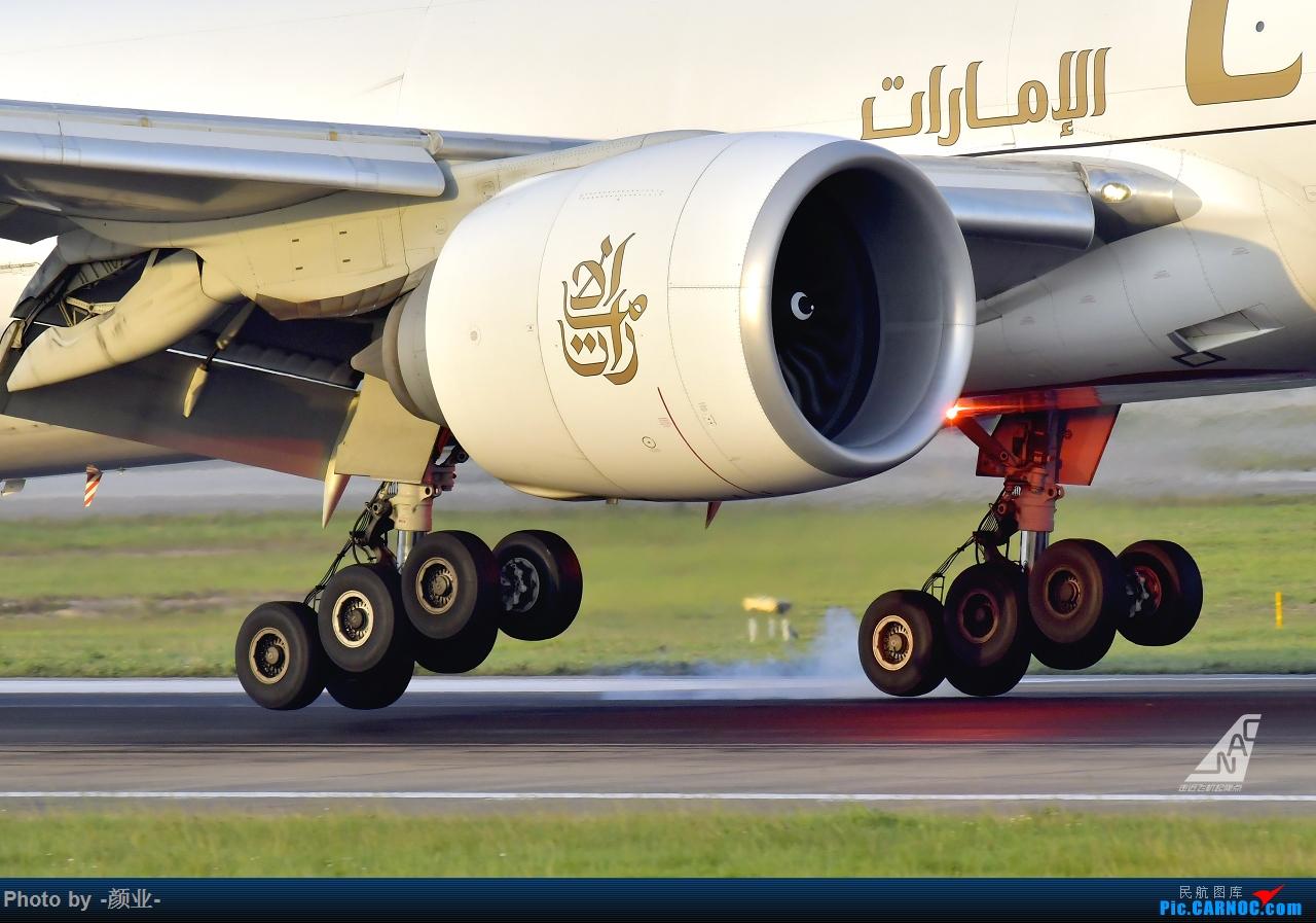 Re:走近飞机起降点(无尽创意) BOEING 777F A6-EFH