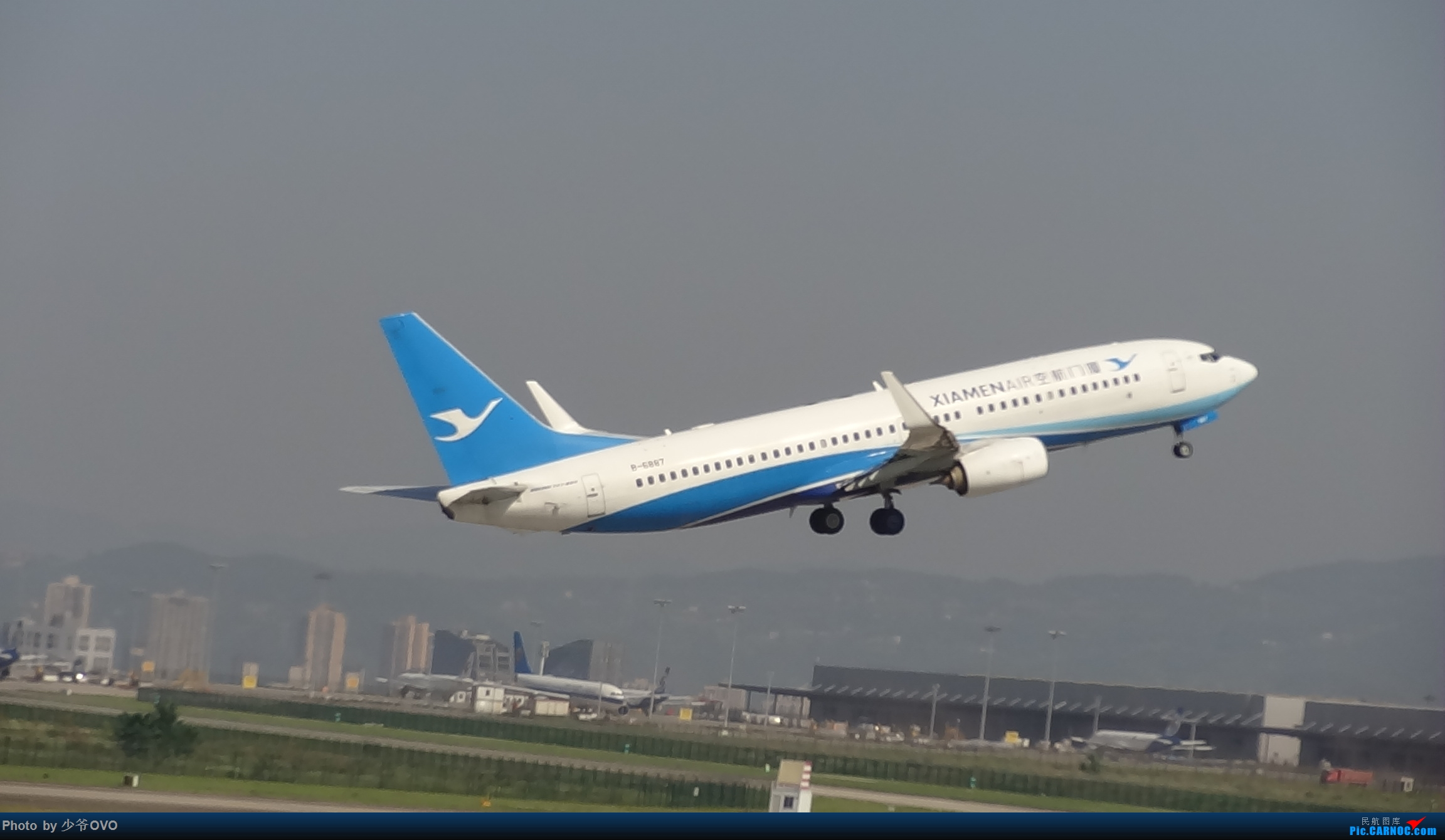 Re:[原创]Re:[原创]CKG重庆江北机场拍机.星空联盟77W BOEING 737-800 B-6887 重庆江北机场