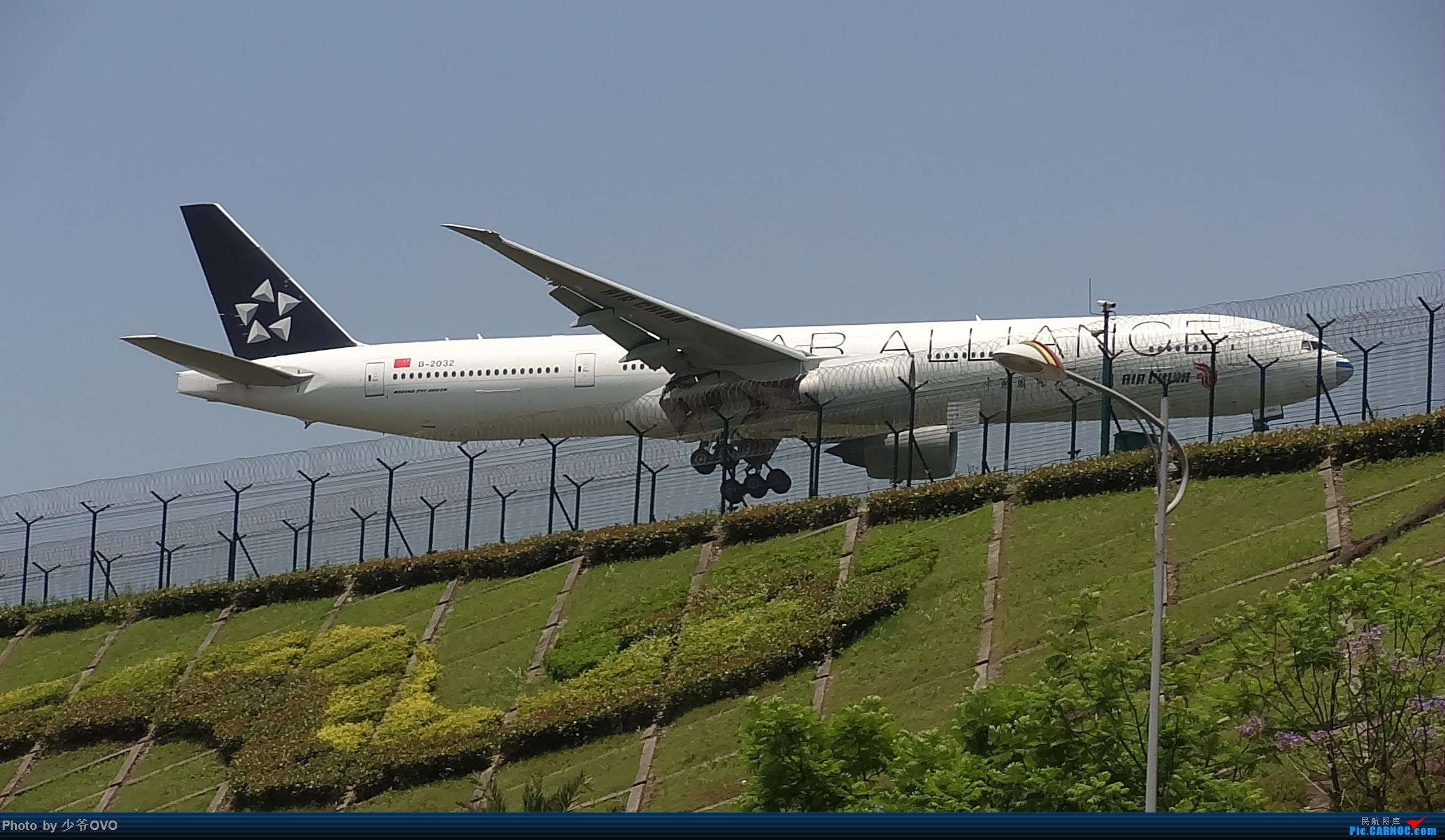 Re:[原创]Re:[原创]CKG重庆江北机场拍机,国航星空77W(3) BOEING 777-300ER B-2032 重庆江北机场