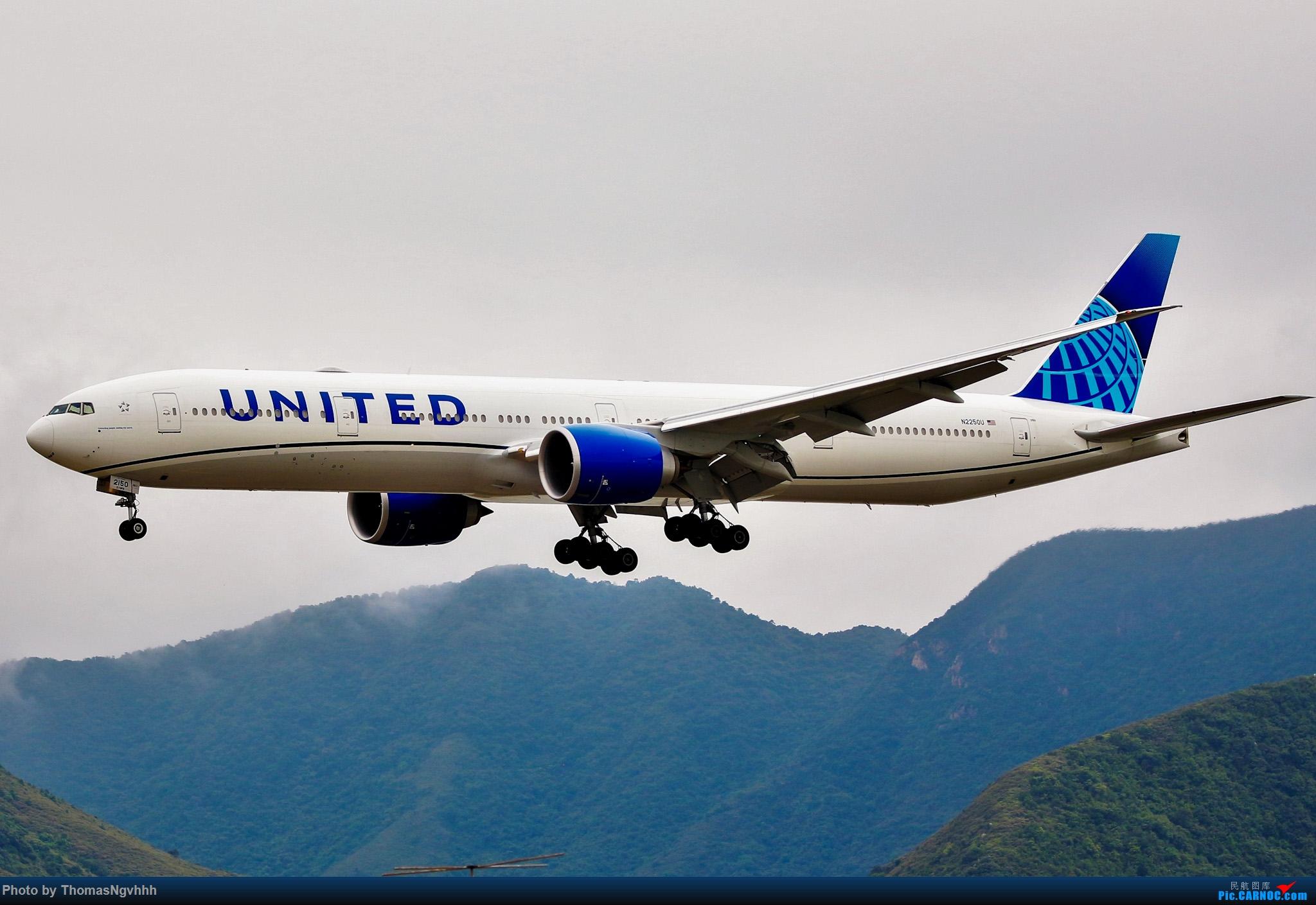 [原创]聯合航空77w BOEING 777-300ER N2250U 香港國際機場