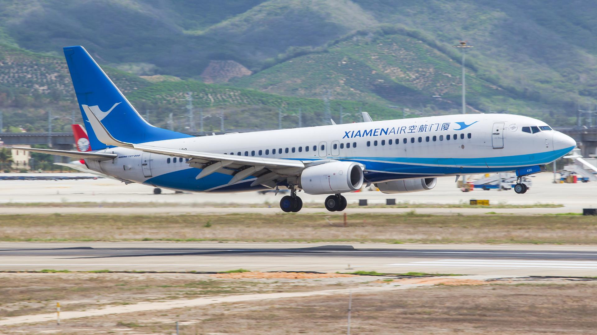 Re:[原创]。。。[SYX]北纬18°的三亚日记。。。(二) BOEING 737-800 B-6490 中国三亚凤凰国际机场