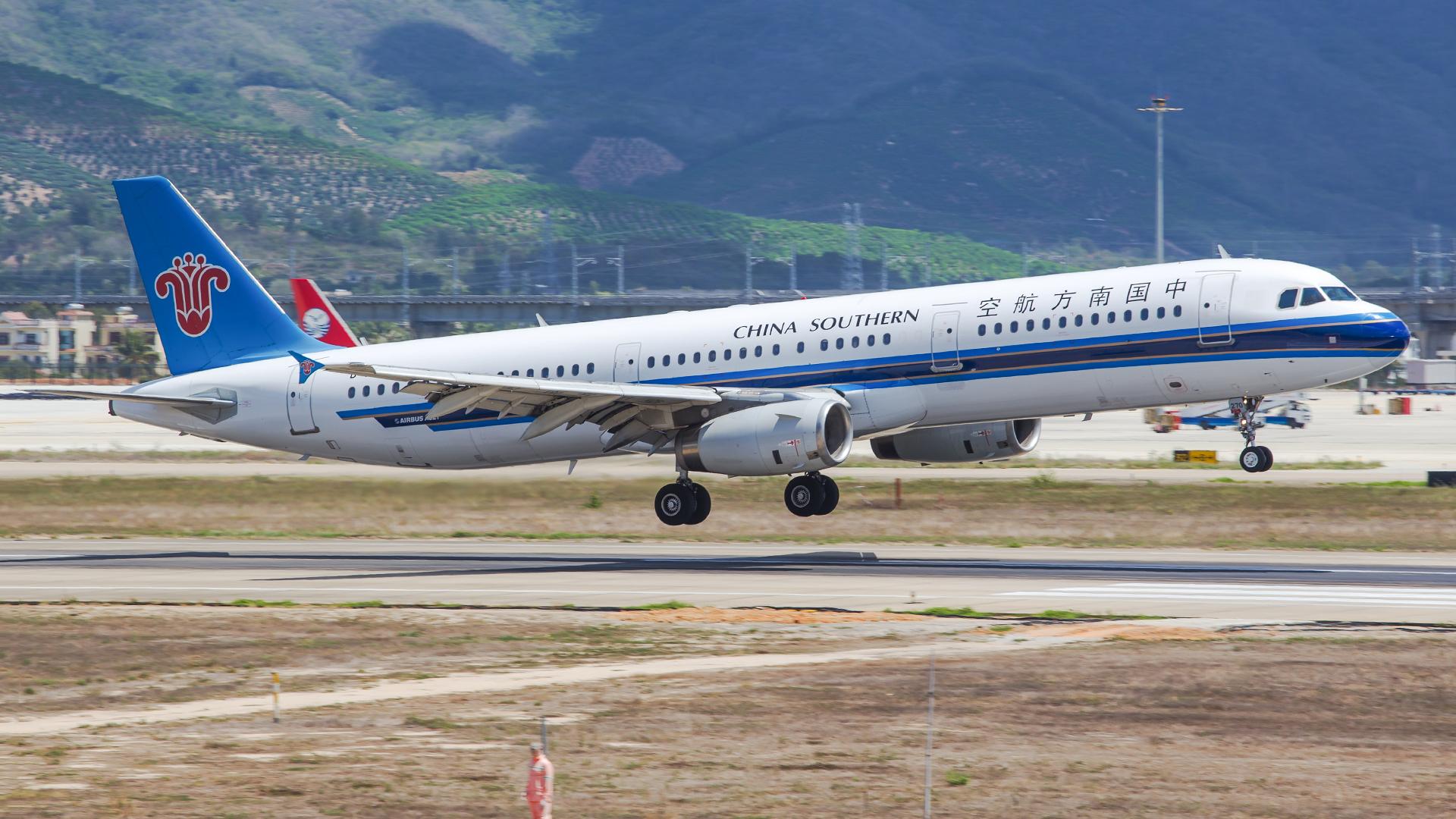 Re:[原创]。。。[SYX]北纬18°的三亚日记。。。(二) AIRBUS A321-200 B-6270 中国三亚凤凰国际机场
