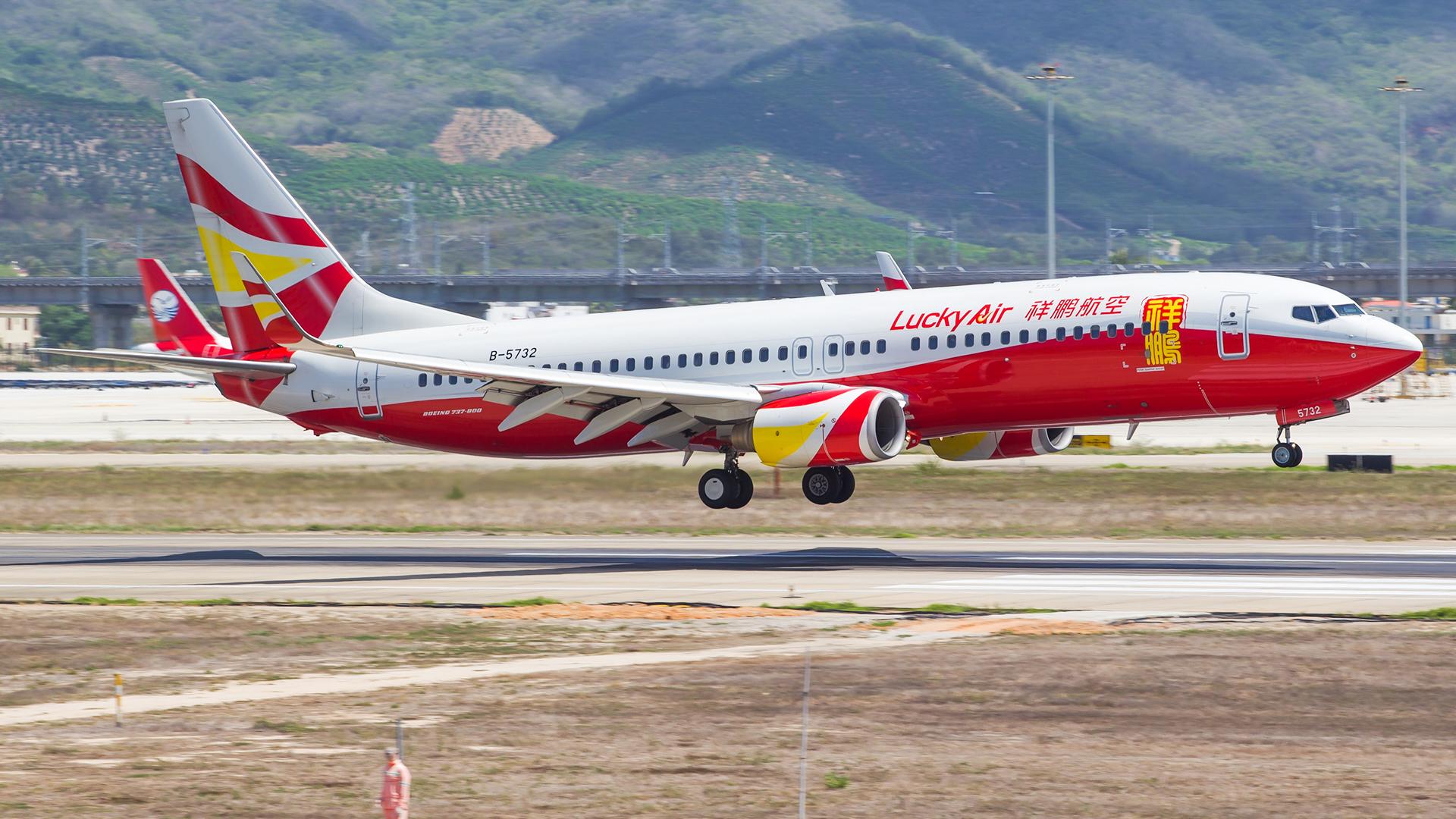 Re:[原创]。。。[SYX]北纬18°的三亚日记。。。(二) BOEING 737-800 B-5732 中国三亚凤凰国际机场