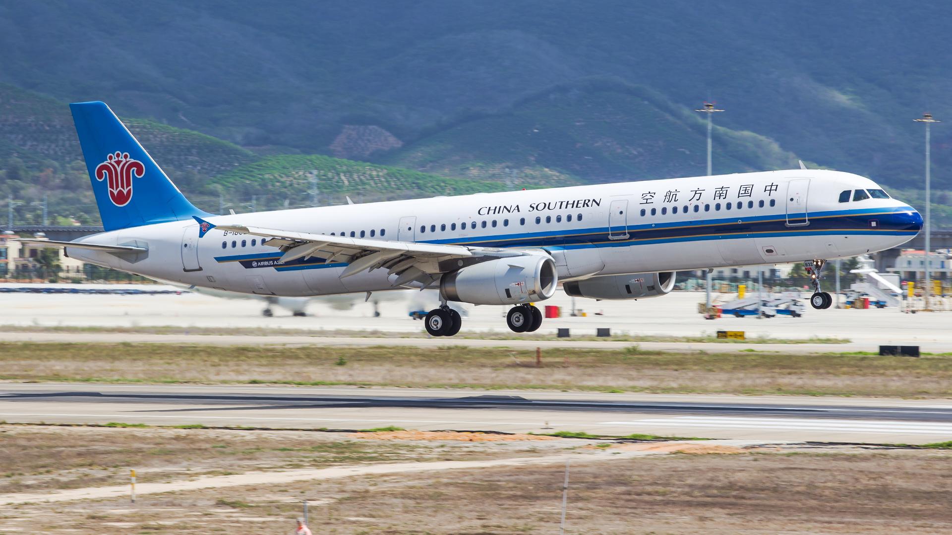 Re:[原创]。。。[SYX]北纬18°的三亚日记。。。(二) AIRBUS A321-200 B-1832 中国三亚凤凰国际机场