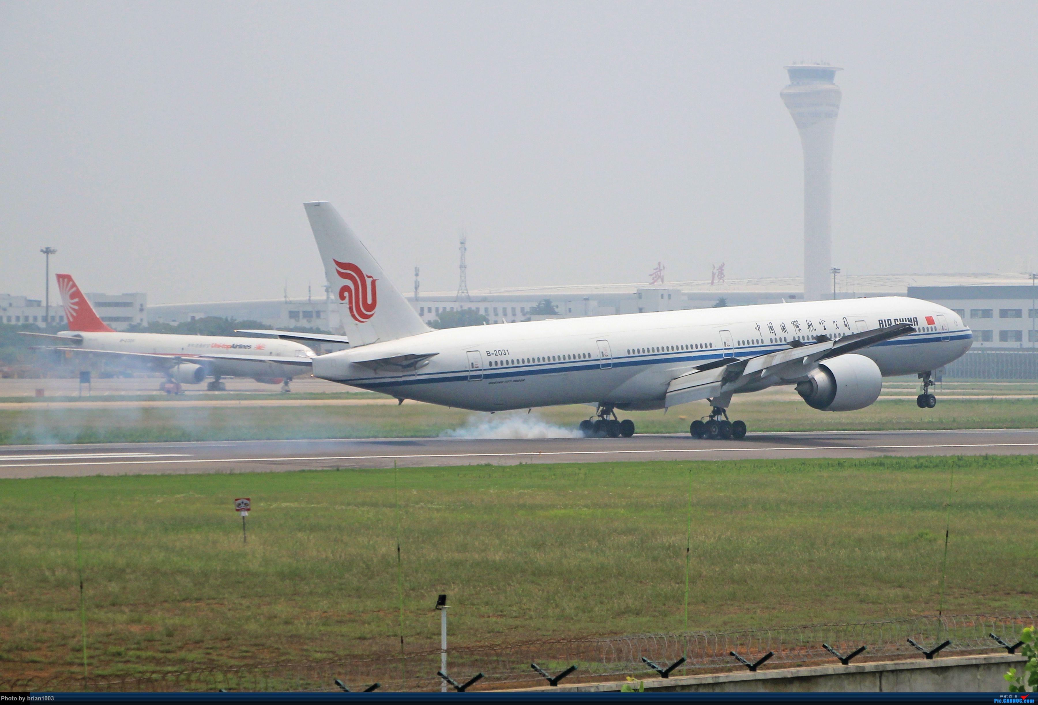 Re:[原创]WUH天河机场拍机之六月还有啥(X7家744F、天津大韩港龙333、巴基斯坦772、B6419、ER-BBJ 74F、某菊塞斯纳、俄航77W) BOEING 777-300ER B-2031 中国武汉天河国际机场