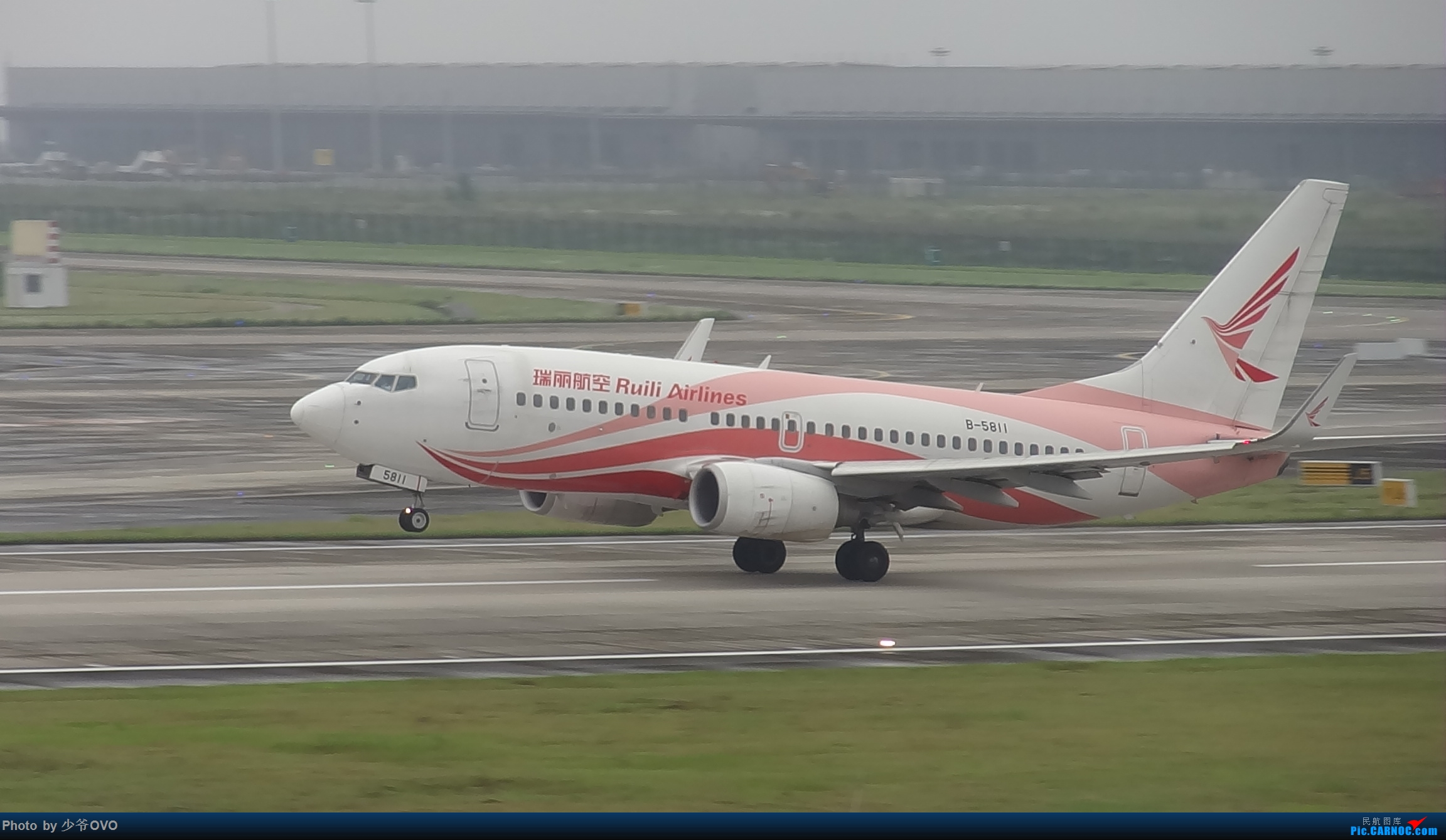 Re:[原创]CKG重庆江北机场拍机 ,中法建交50周年 BOEING 737-700 B-5811 中国重庆江北国际机场
