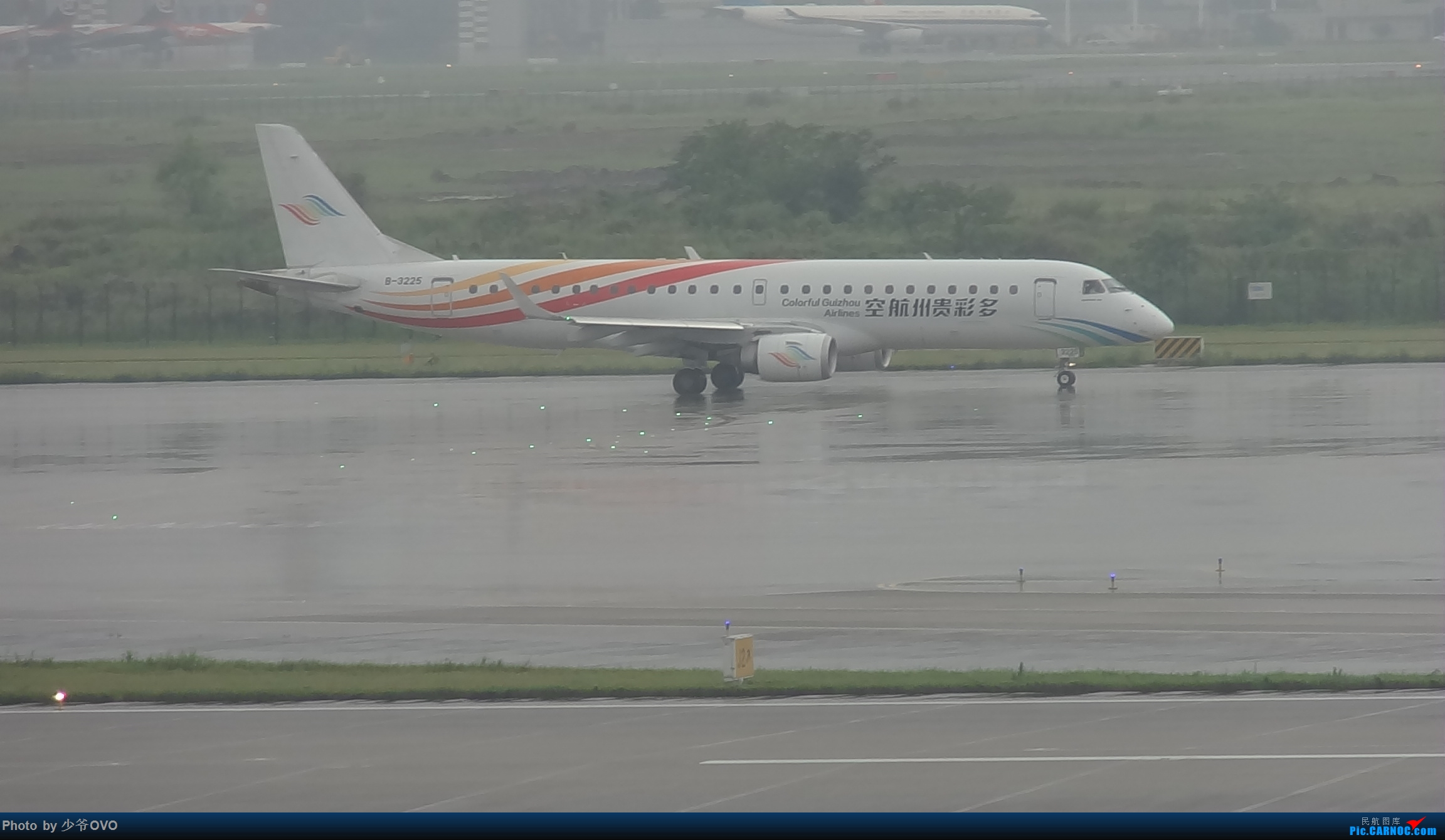 Re:[原创]CKG重庆江北机场拍机 EMBRAER E-190 B-3225 中国重庆江北国际机场