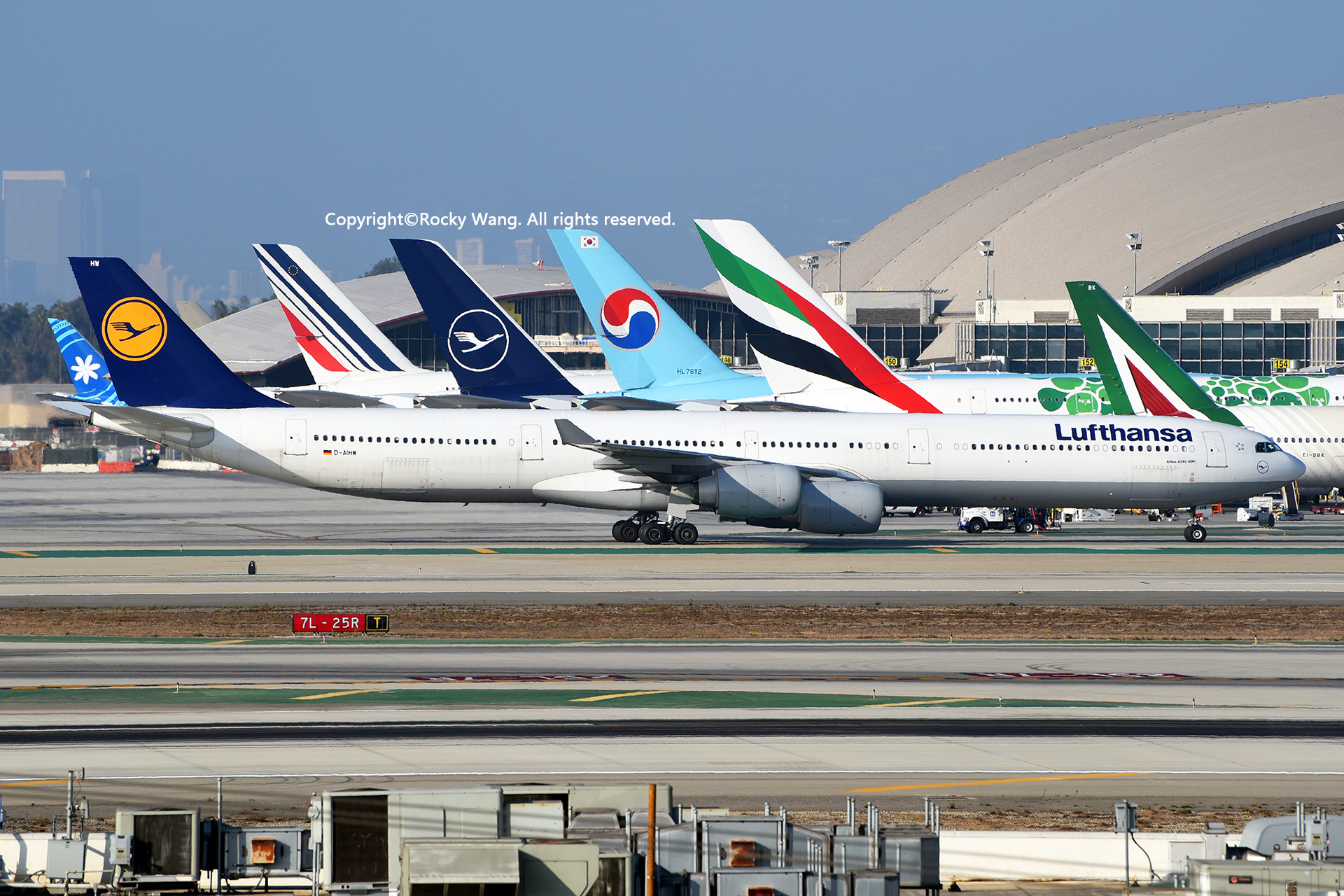 Re:[原创]LAX-暖冬与残夏 AIRBUS A340-642 D-AIHW Los Angeles Int'l Airport