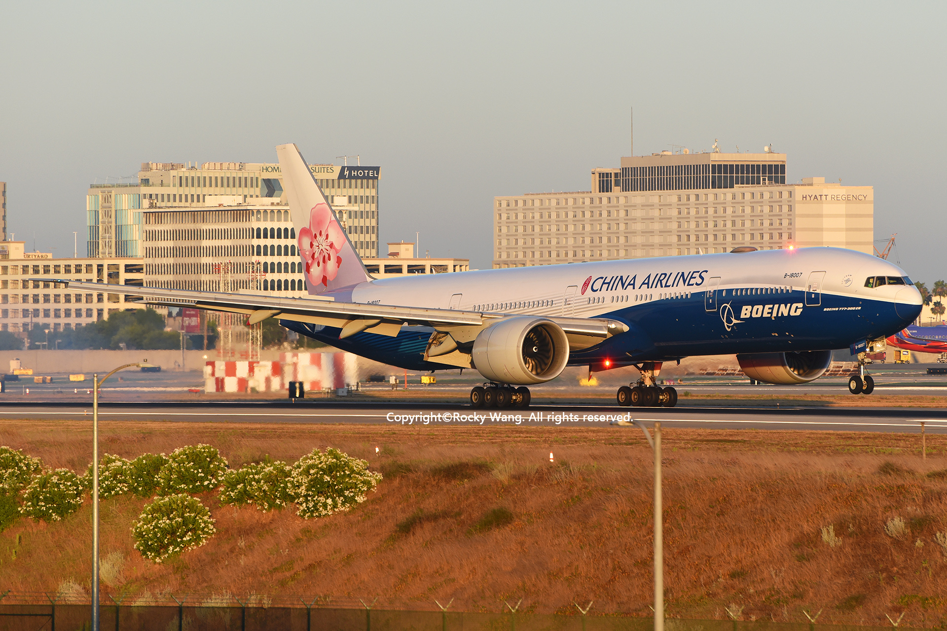 Re:[原创]LAX-暖冬与残夏 BOEING 777-309ER B-18007 Los Angeles Int'l Airport