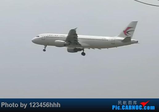Re:[原创]苏南硕放国际机场拍机(上次小伙伴说图片太小,所以重新弄了一下) AIRBUS A320-200 B-6757 中国无锡硕放国际机场