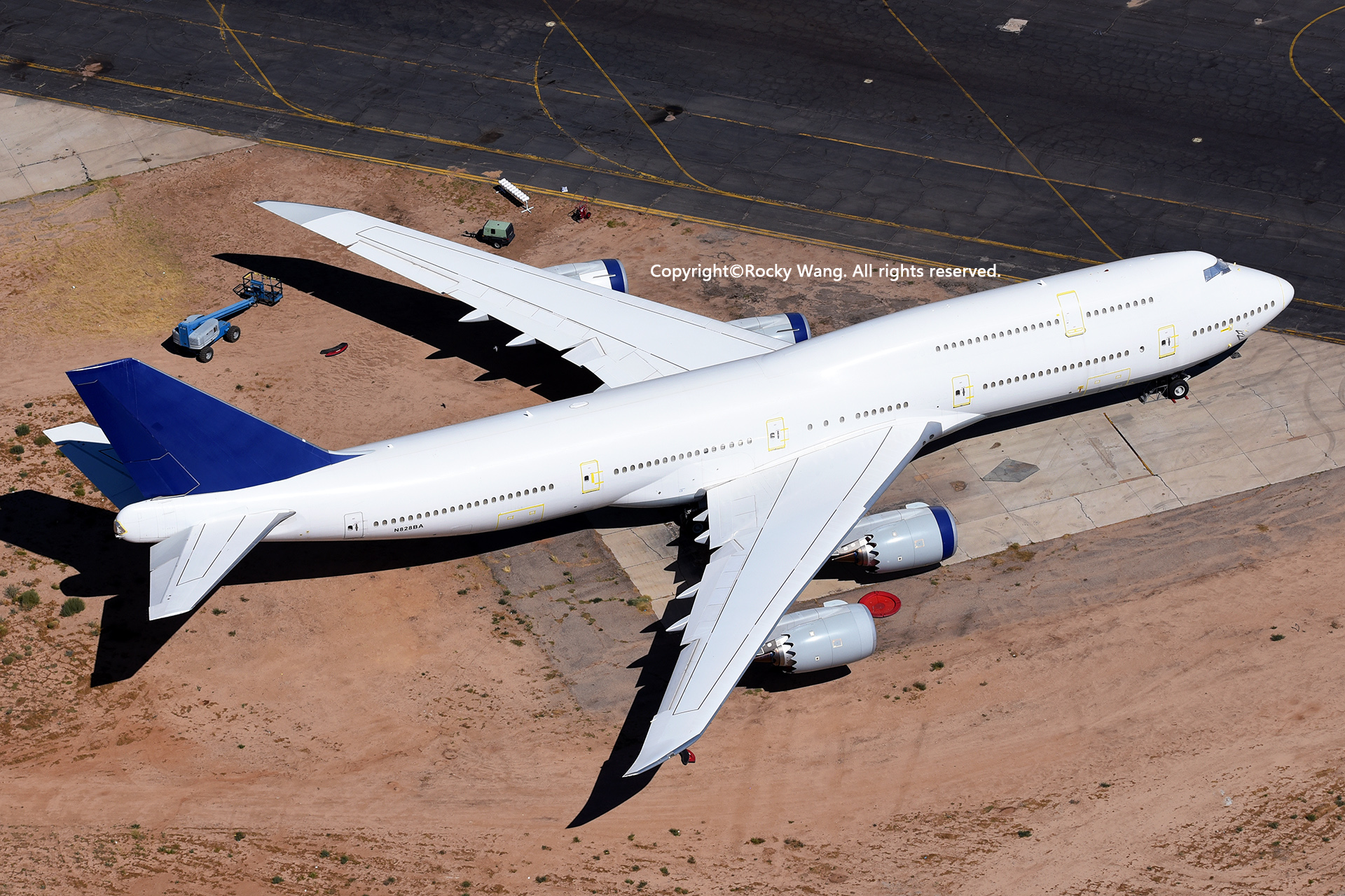Re:[原创]沙漠29图+彩蛋 BOEING 747-830 N828BA Victorville-Southern California Logistic