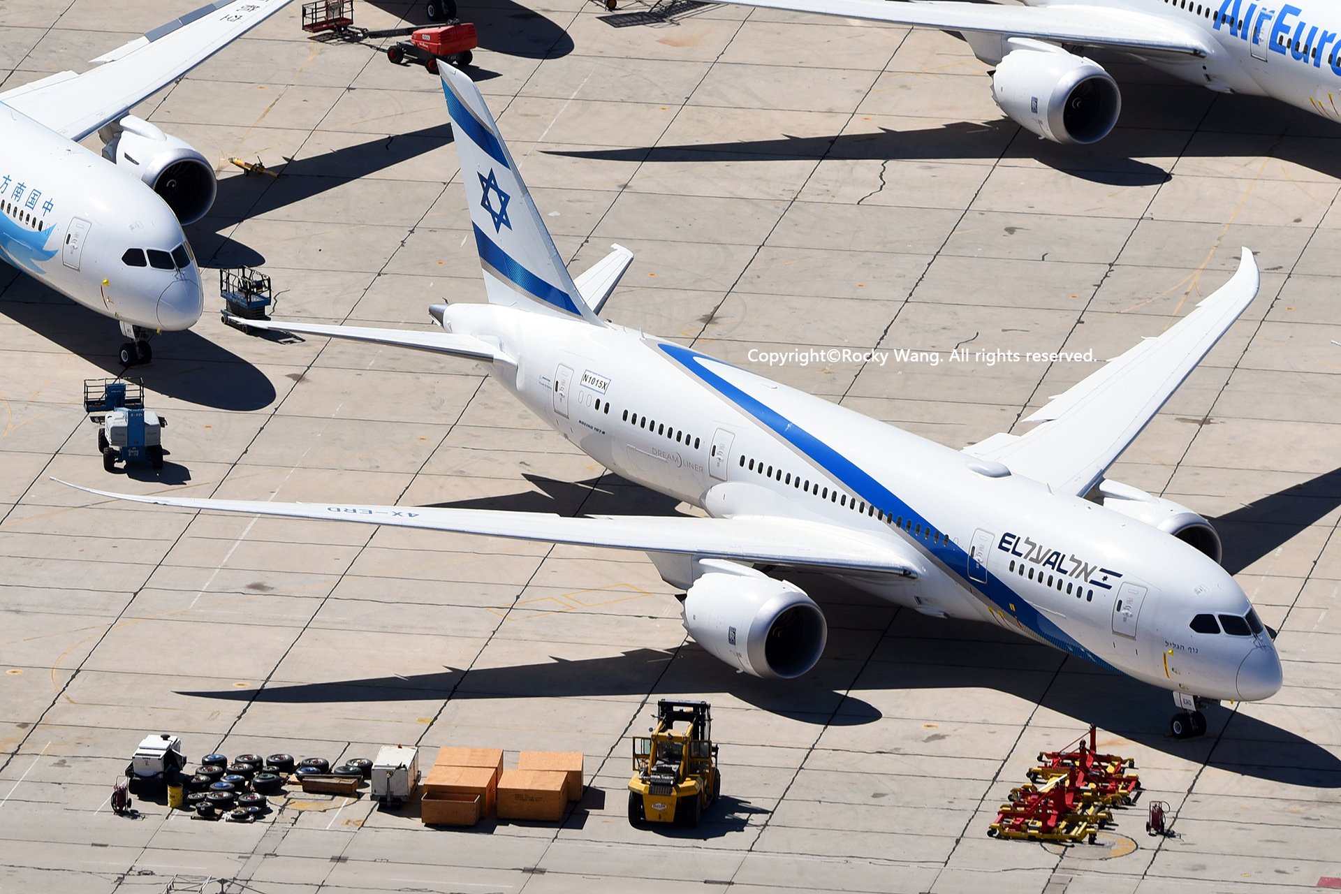 Re:[原创]沙漠29图+彩蛋 BOEING 787-8 DREAMLINER N1015X Victorville-Southern California Logistic