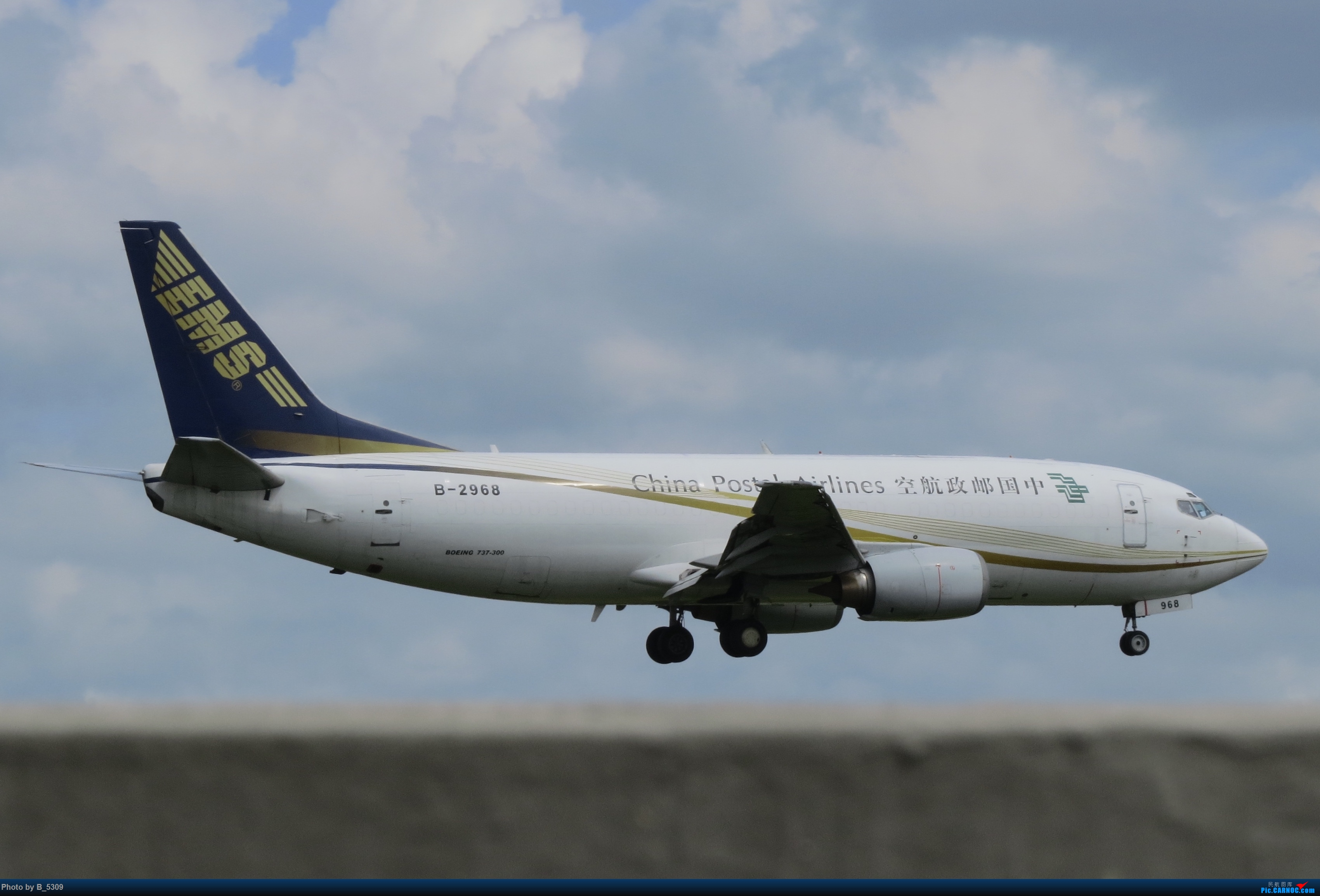 Re:[原创]白鹭窝终于换向了。。。 BOEING 737-300 B-2968 中国厦门高崎国际机场